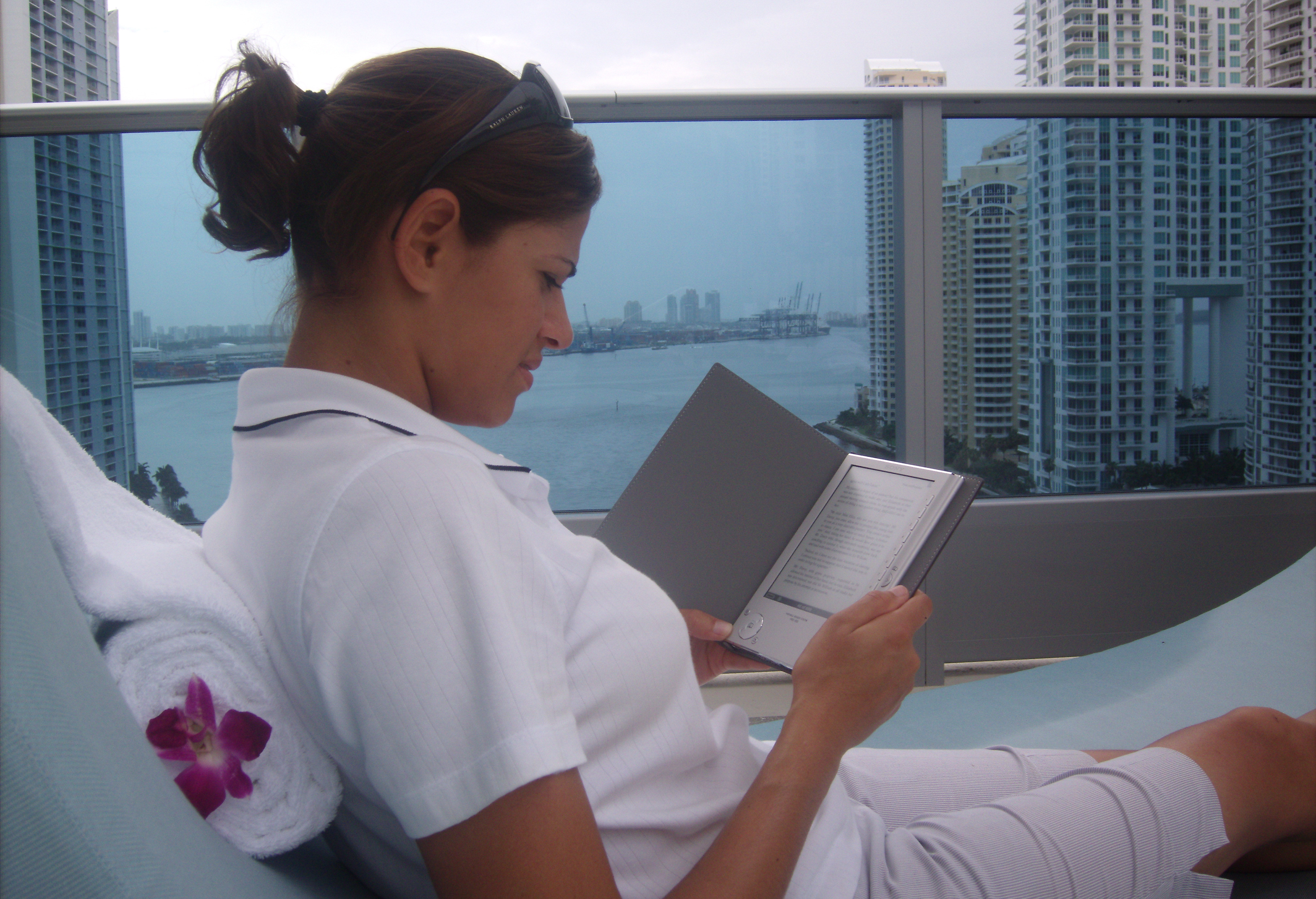 Sony Reader at Epic Hotel