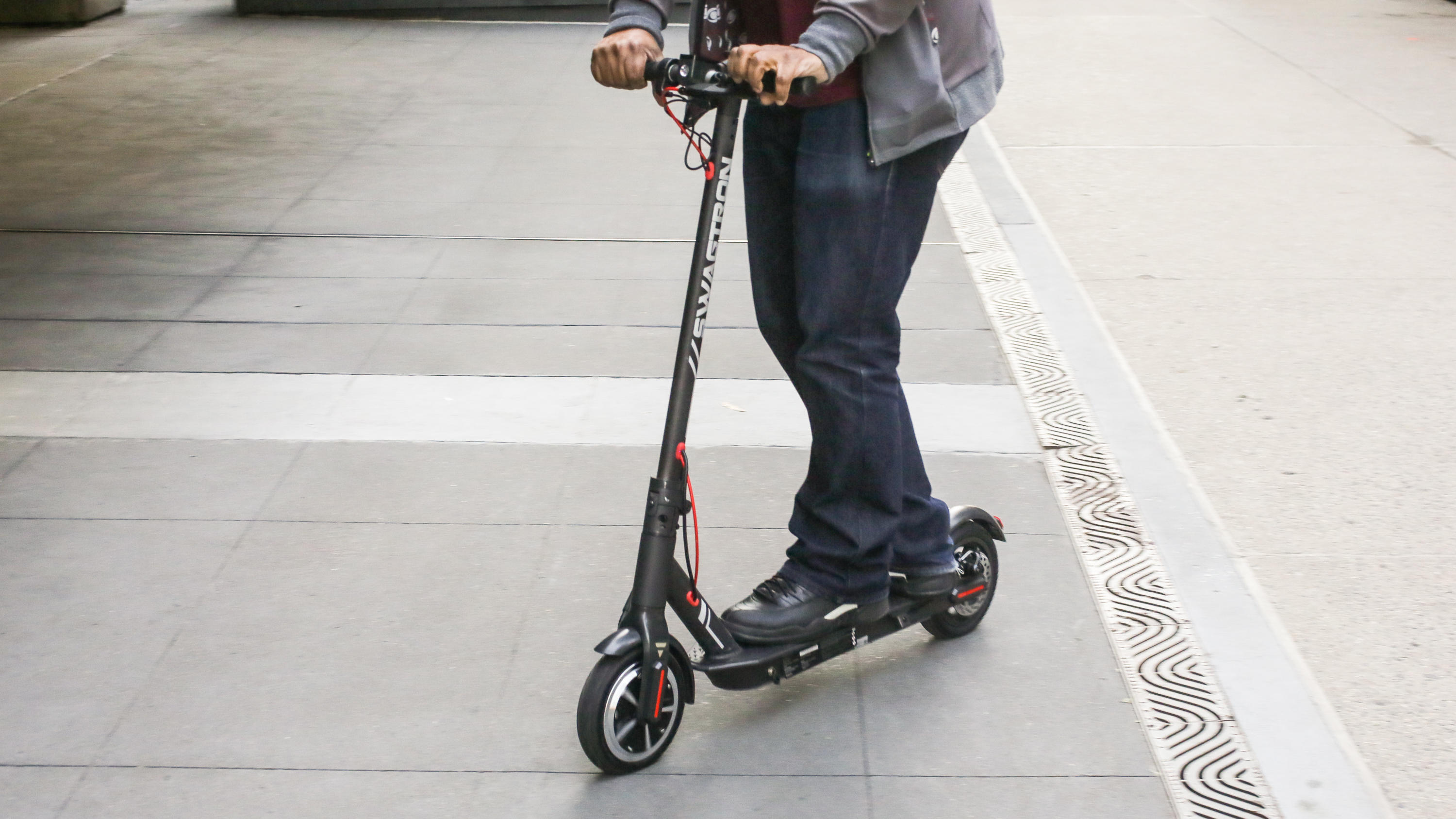 16 swagtron swagger 5 electric folding scooter | Best electric scooter for summer 2021 - Roadshow | The Paradise