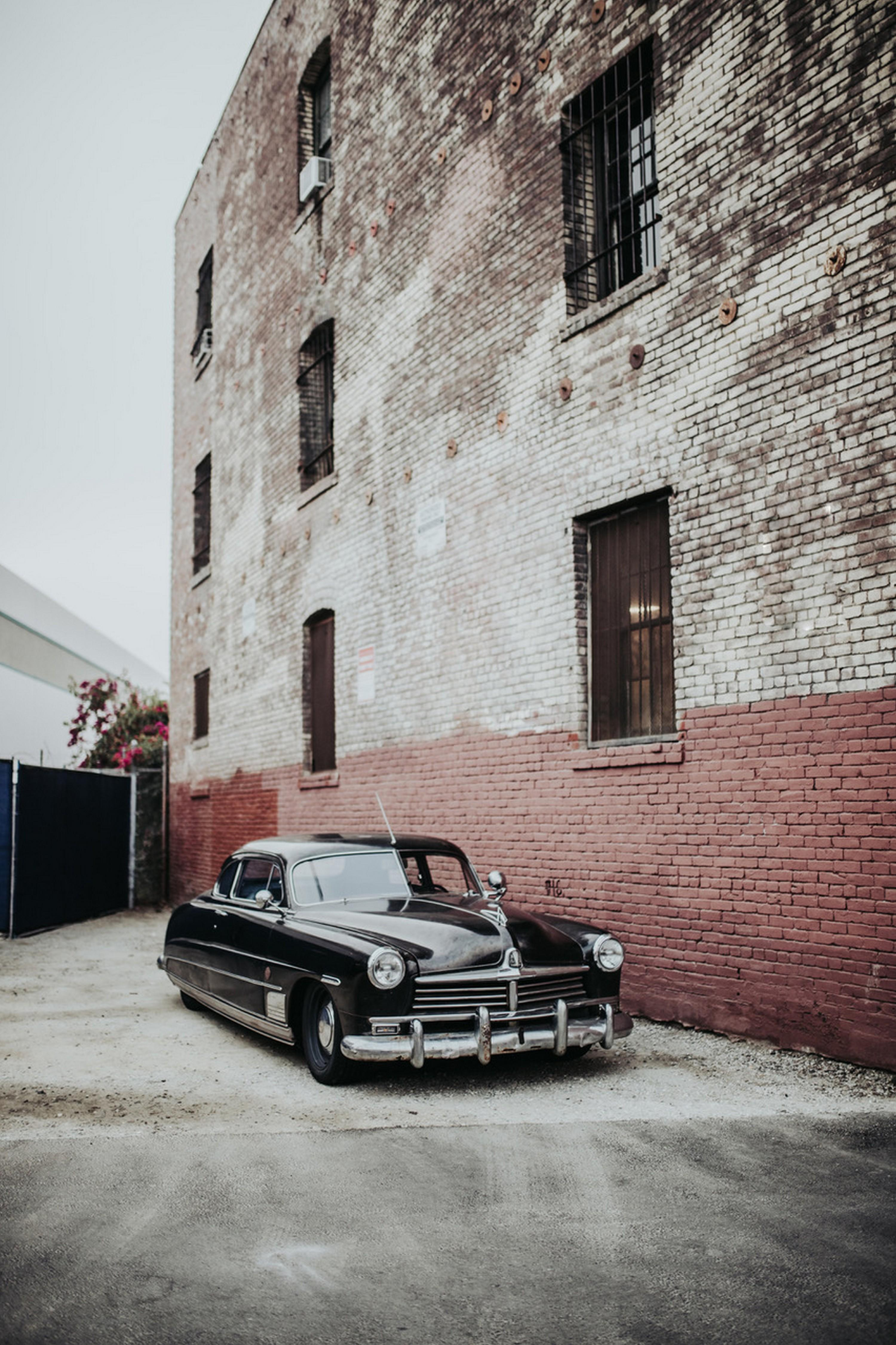 icon-hudson-derelict-f34-parked-brick-wall-tall-format-img-0792