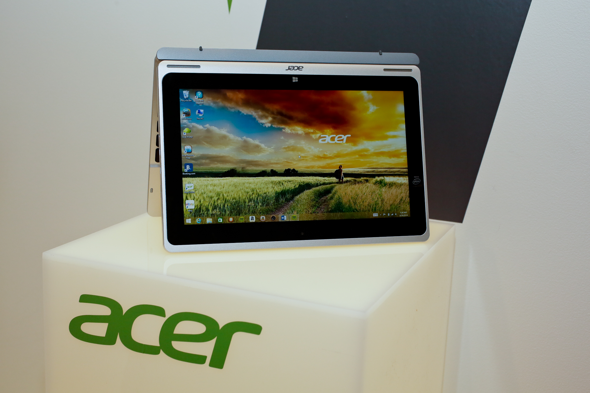 005acer-aspire-switch-10-product-photos.jpg