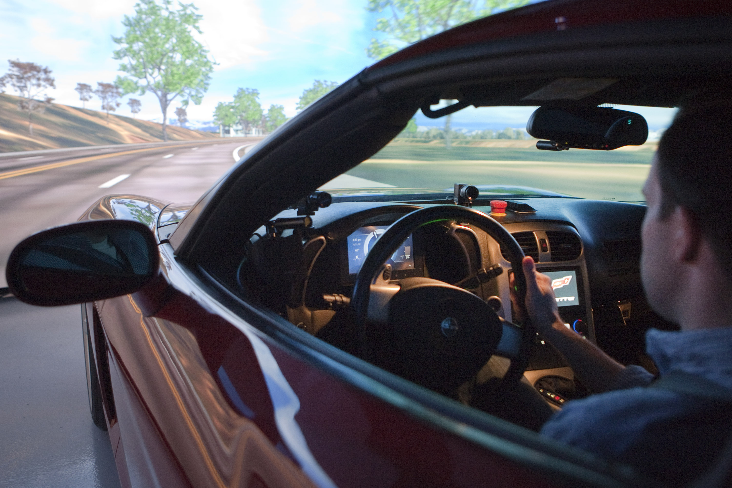GM demonstrates the simulator that its engineers use to test new infotainment features.
