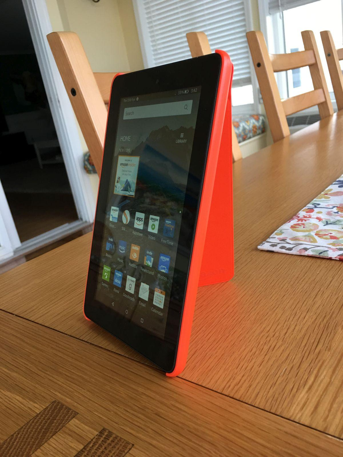 amazon-fire-7-tablet-stand-up-case