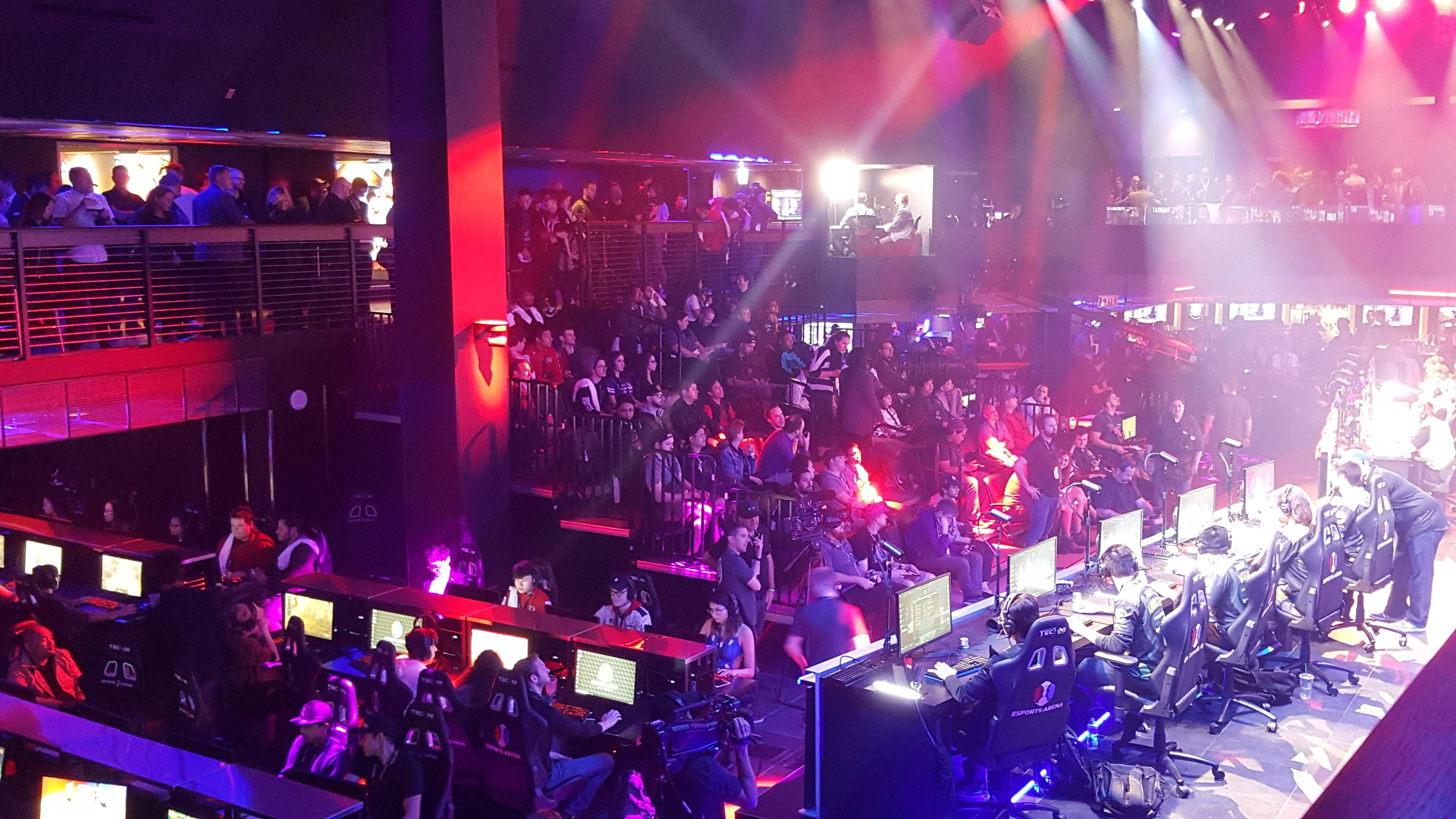 esports-arena-audience-mike-sorrentino-cnet