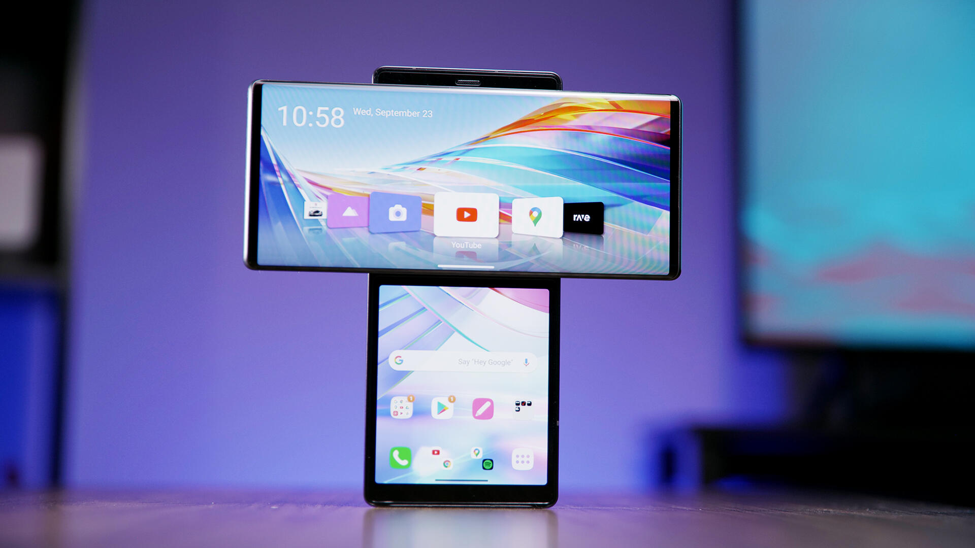 Video: LG Wing is the weirdest phone we've seen in a long time