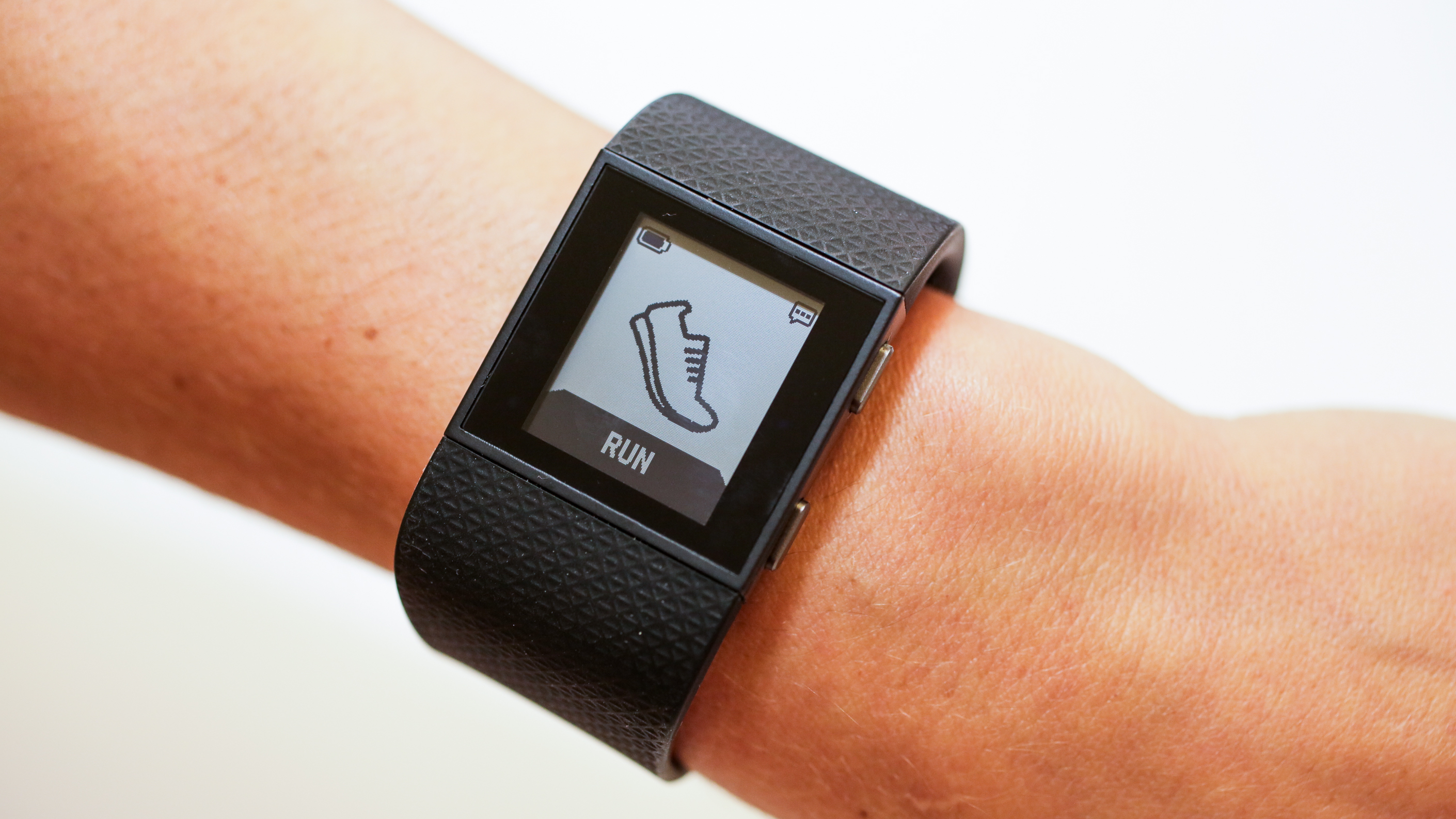 fitbit-charge-hr-surge-product-photos22.jpg