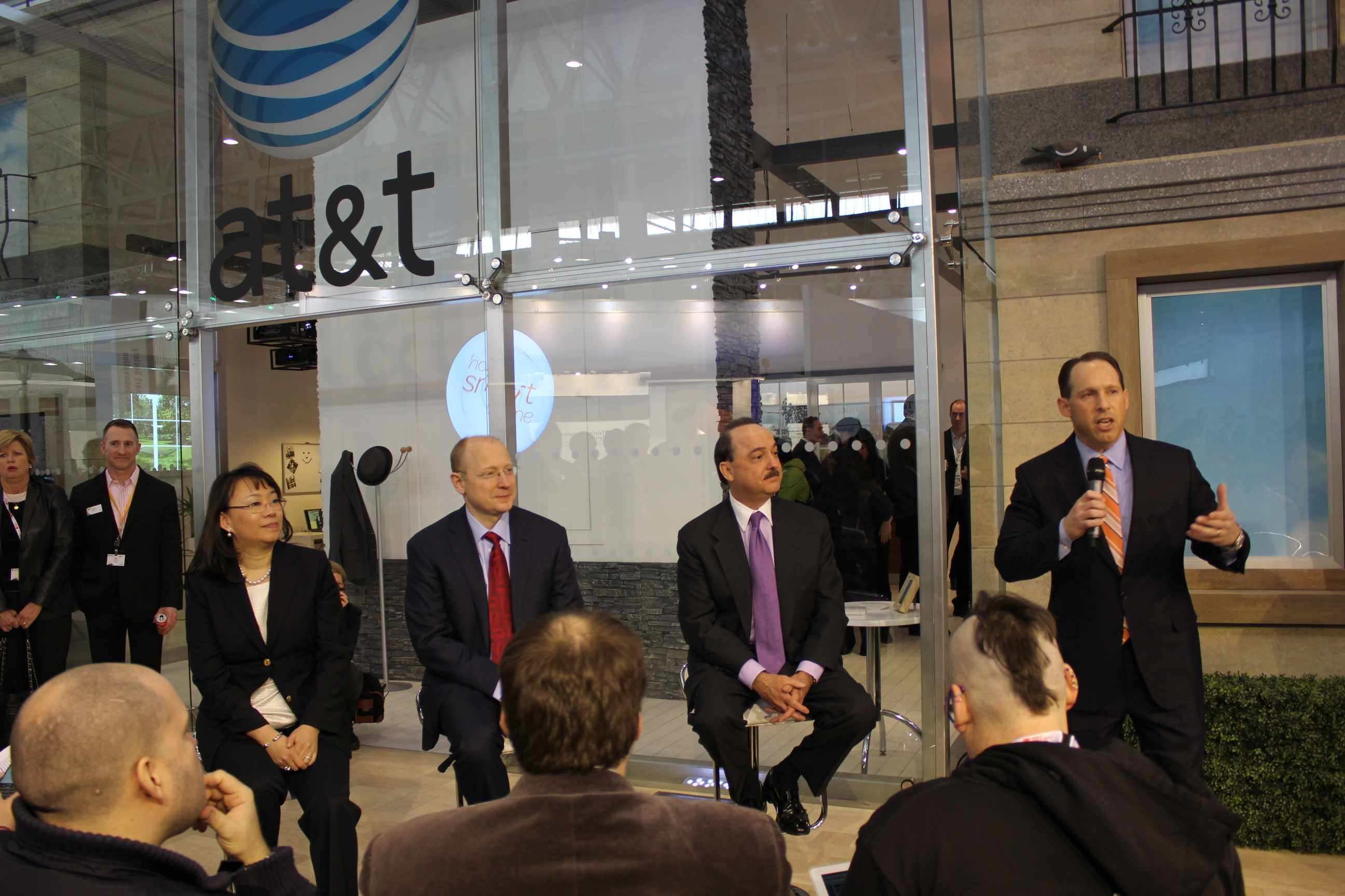 AT&T-GM media roundtable
