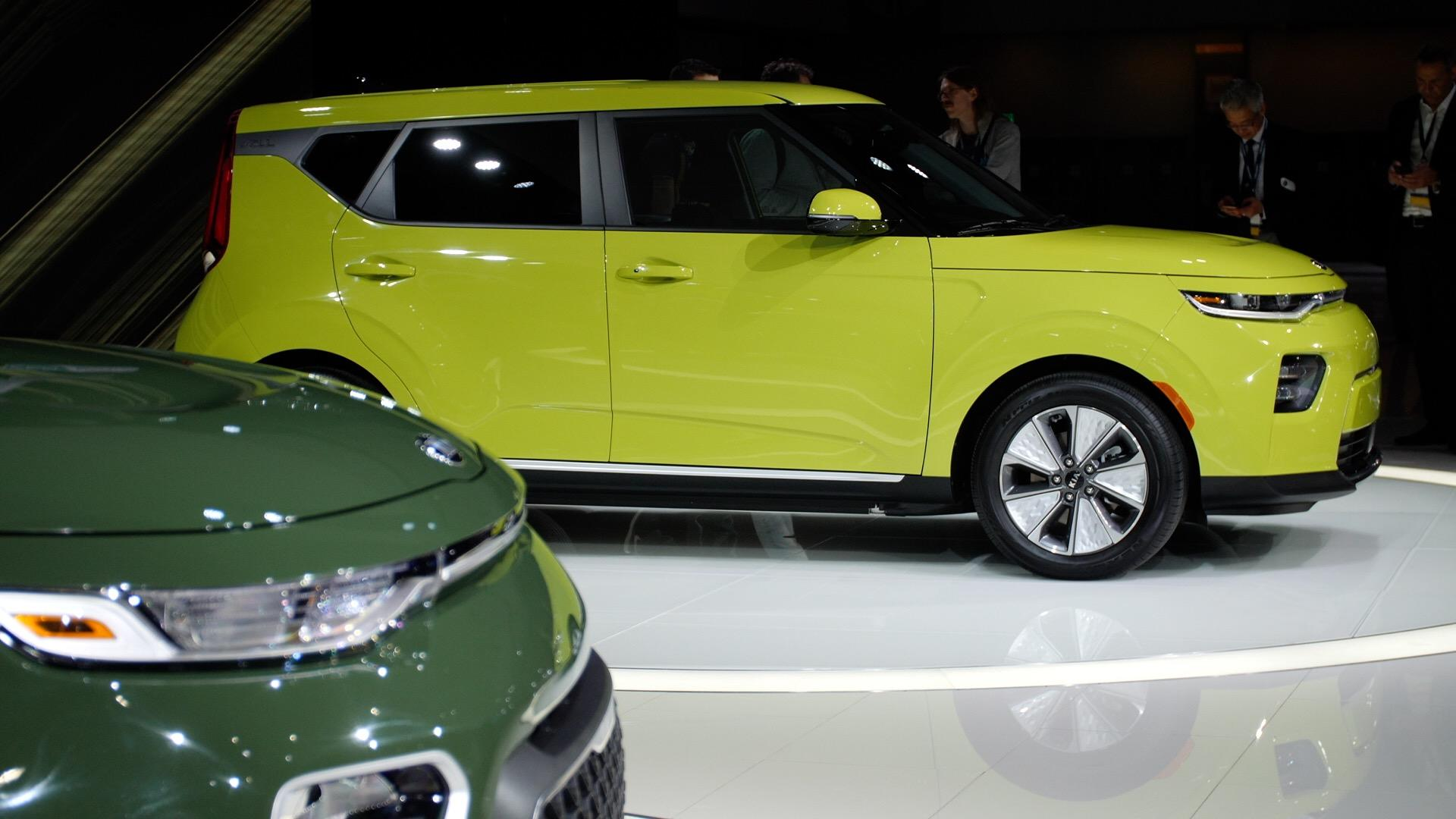 Video: 2020 Kia Soul debuts sharp new look, improved EV variant