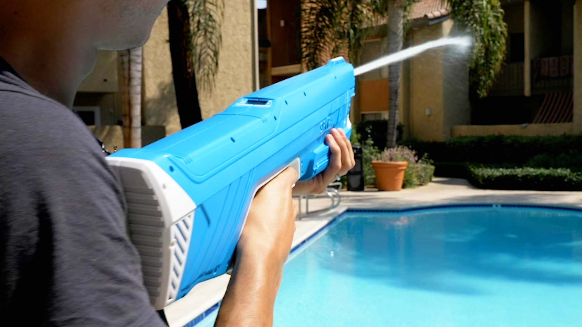 Video: SpyraTwo hands-on: The ultimate water gun