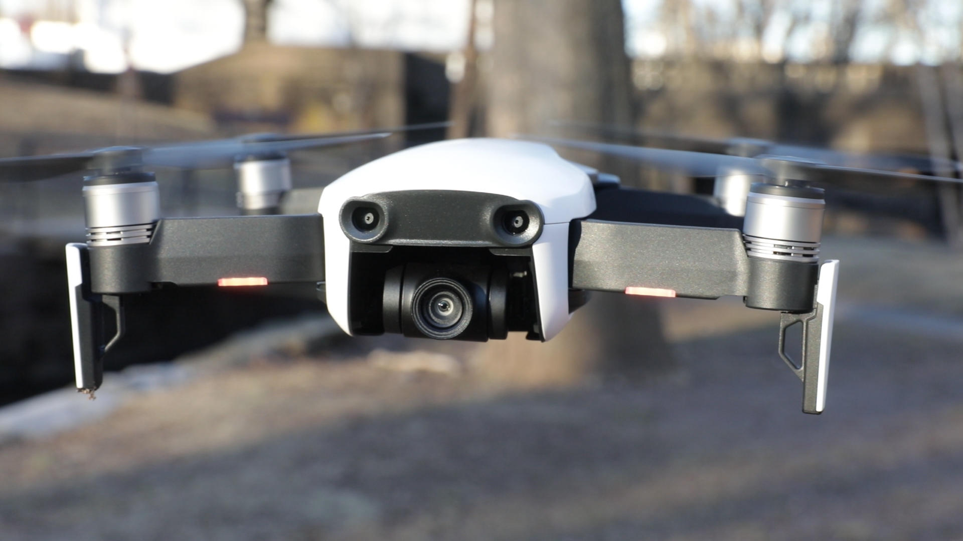Video: DJI's Mavic Air has big features but still fits in a pocket