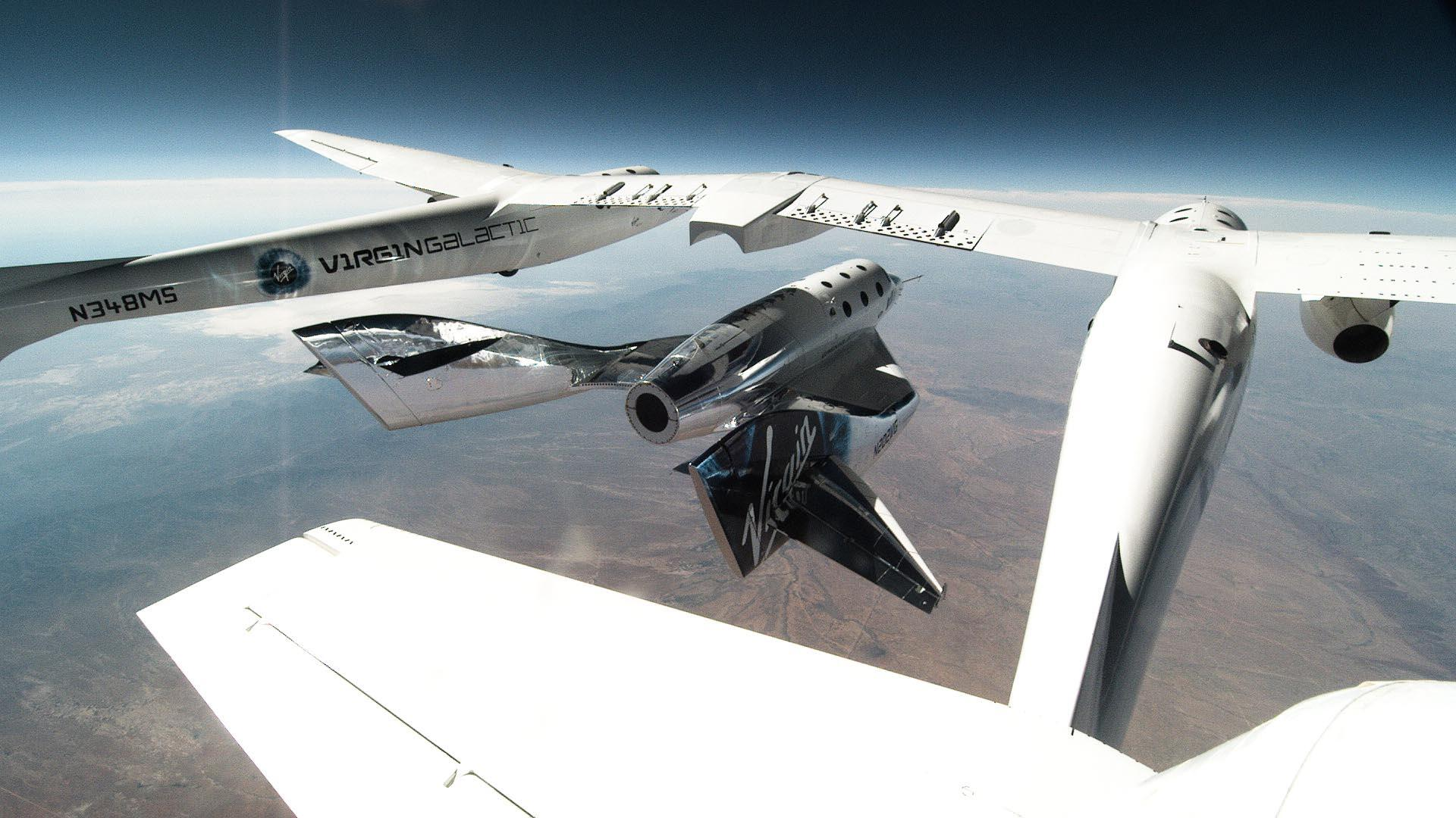 spaceshiptwo-unity-released-from-vms-eve-for-second-glide-flight-in-new-mexico