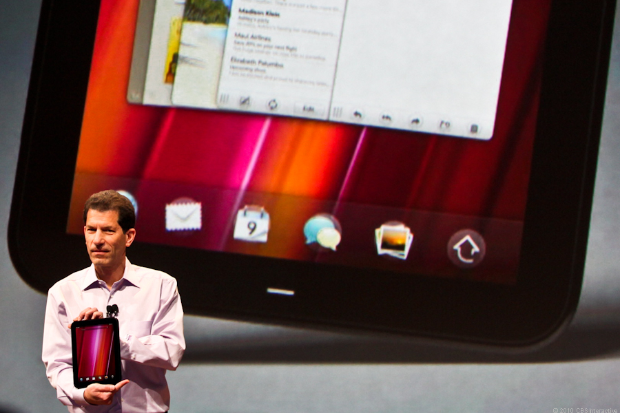 Jon Rubinstein introduces the HP TouchPad WebOS-based tablet.