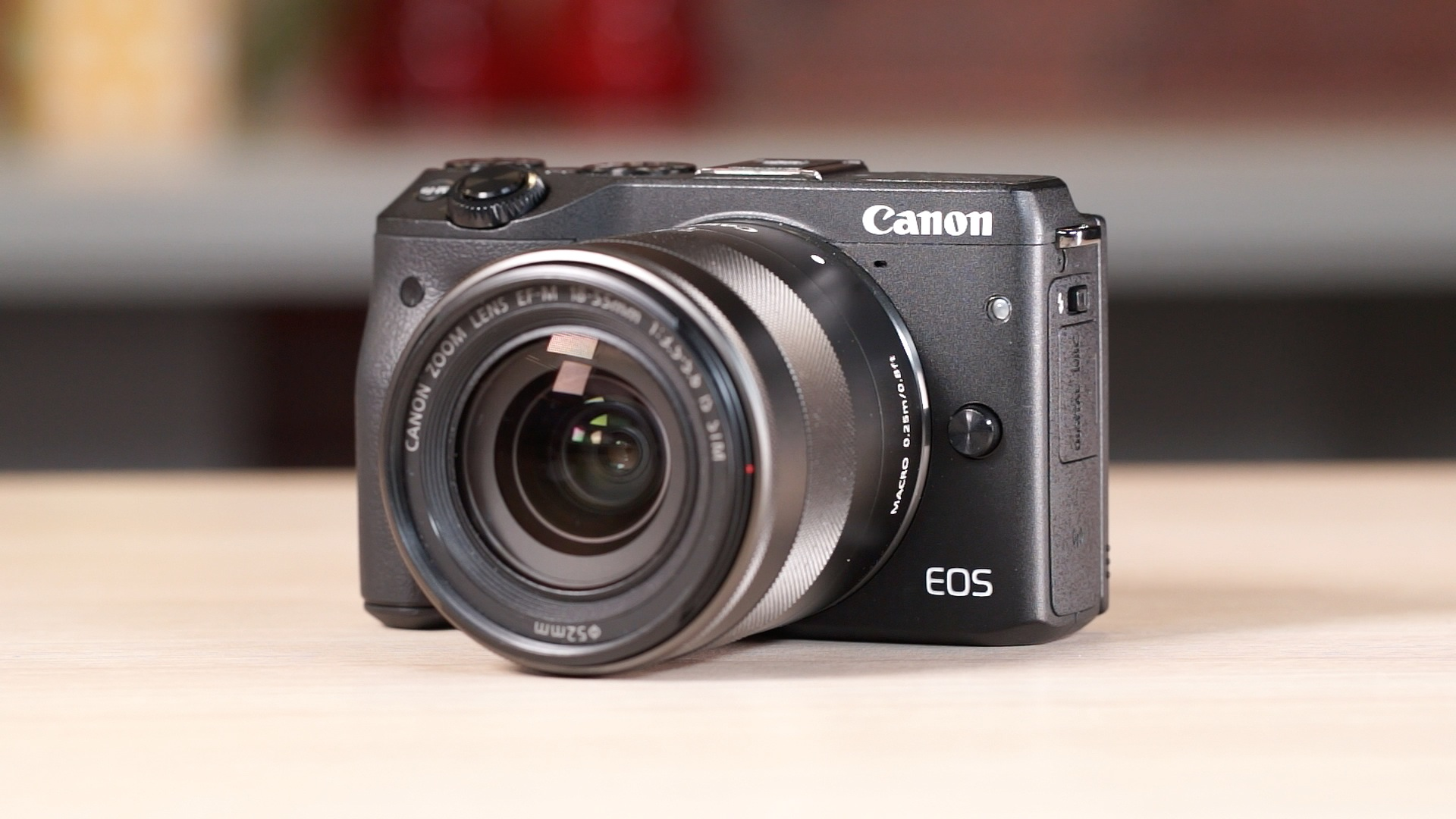 Video: Canon EOS M3 speeds things up
