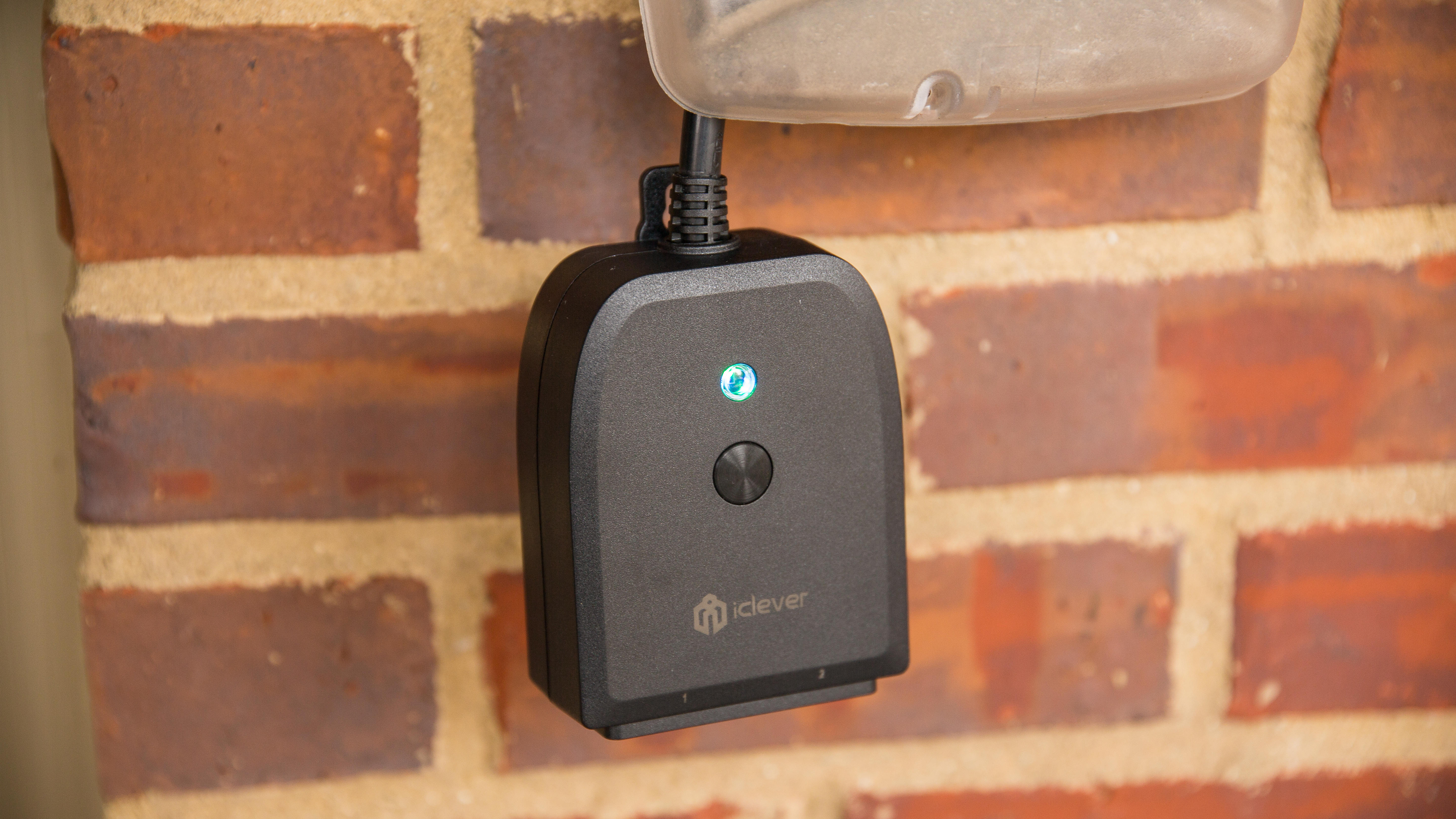 iclever-outdoor-plug-1