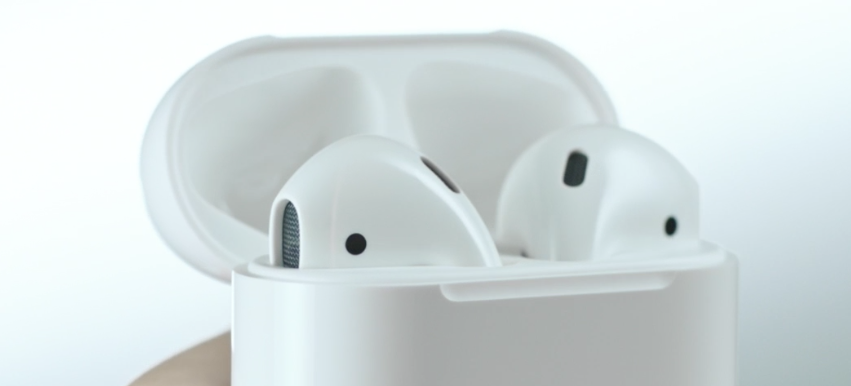 airpods-in-case.png