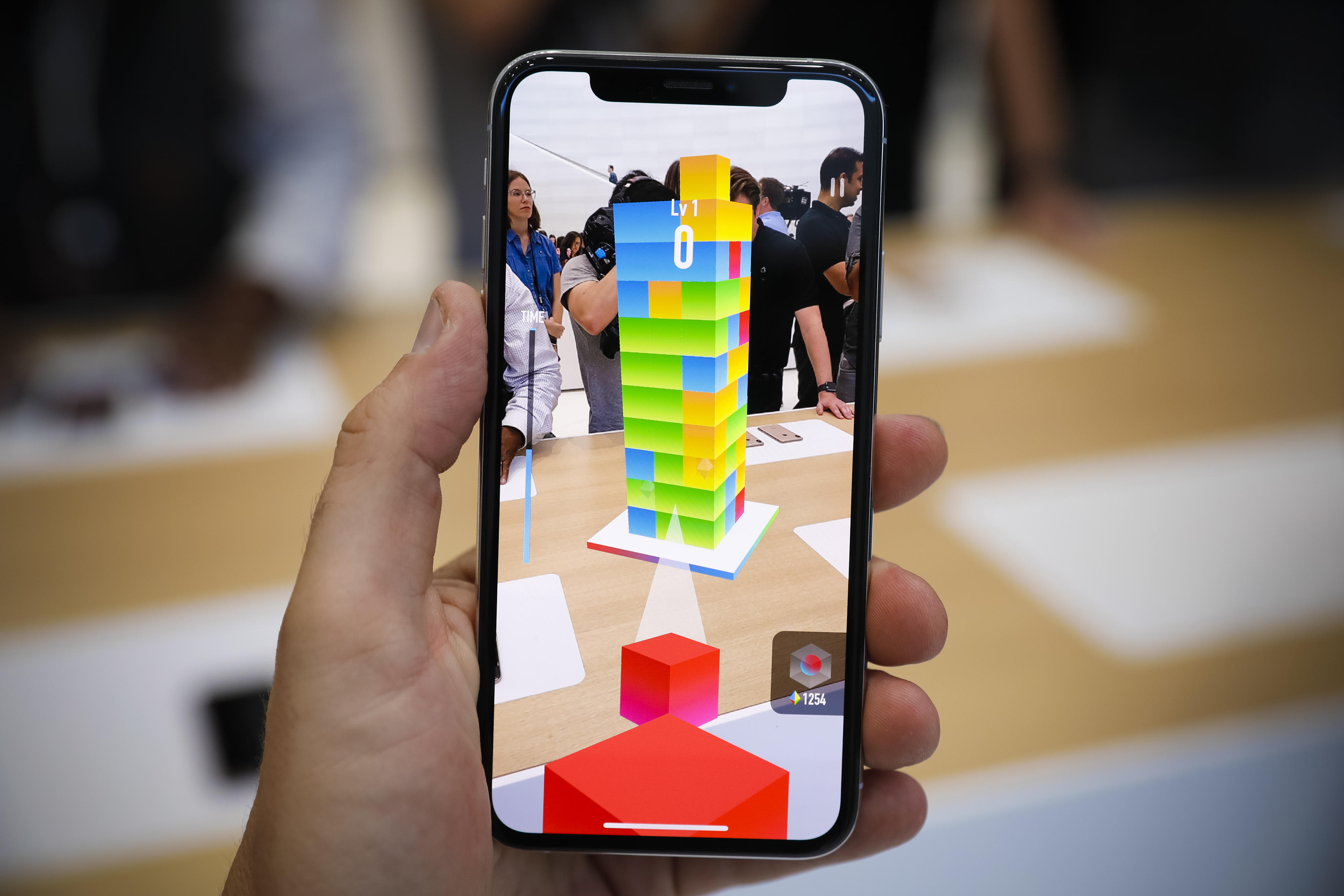 apple-event-091218-iphone-xs-iphone-xs-max-ar-augmented-reality-games-0866