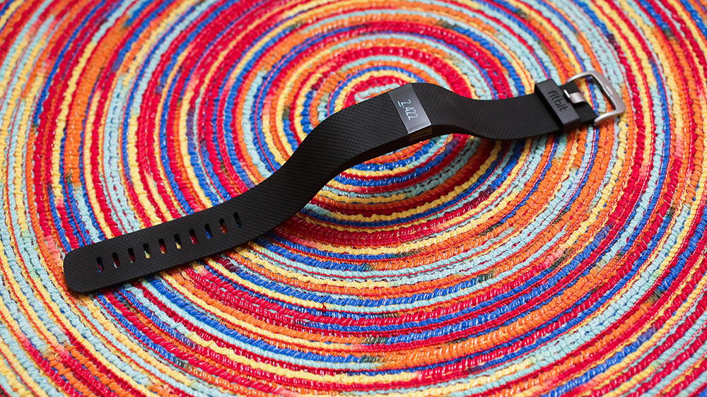 fd-fitbit-charge-hr-01.jpg