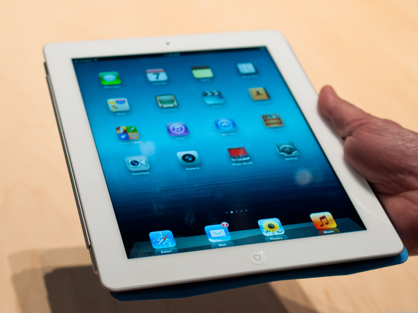 Apple iPad (March 2012, 16GB, AT&T 4G LTE, white)