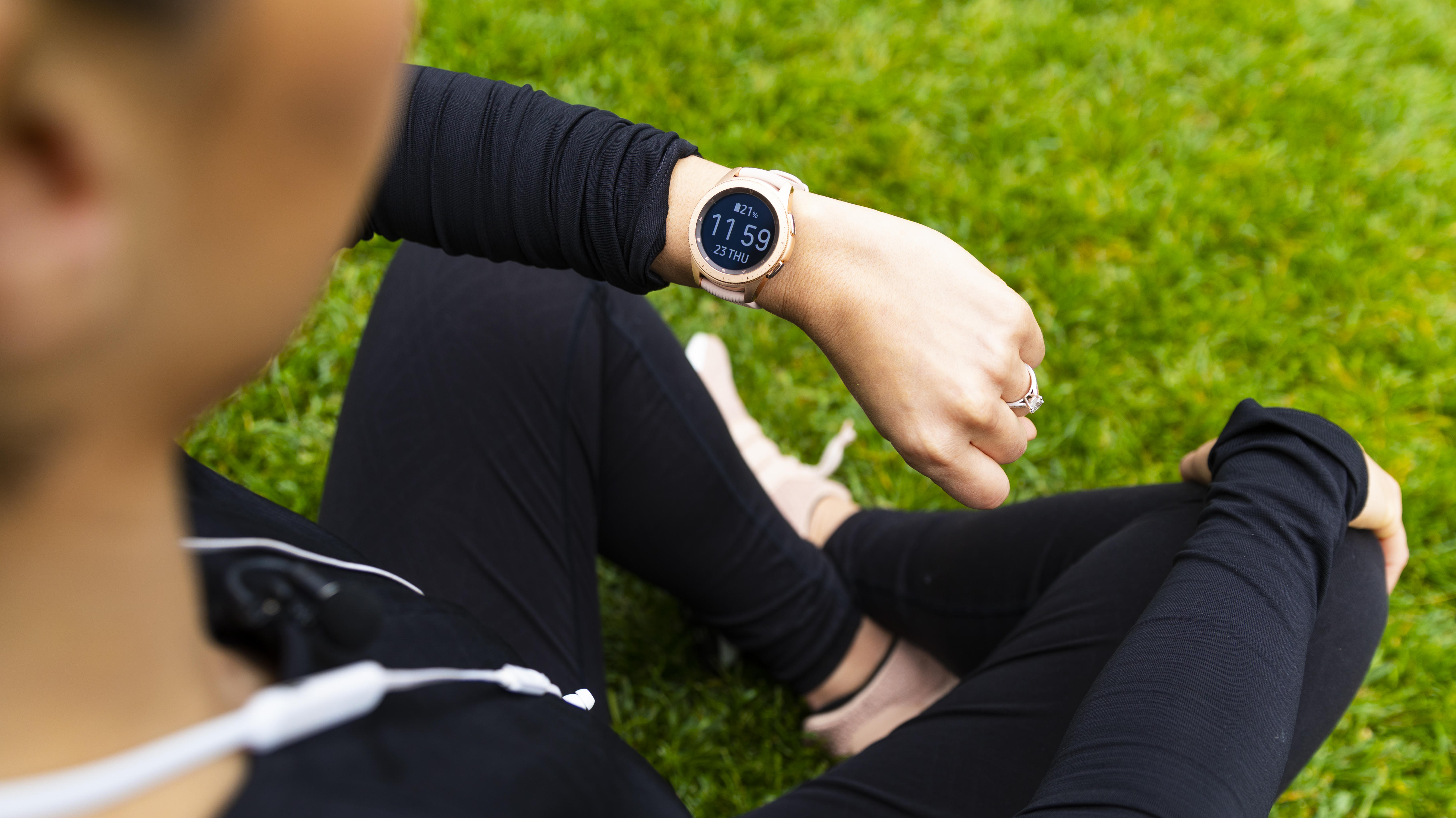 galaxy-watch-fitness-exercise-activity-8556