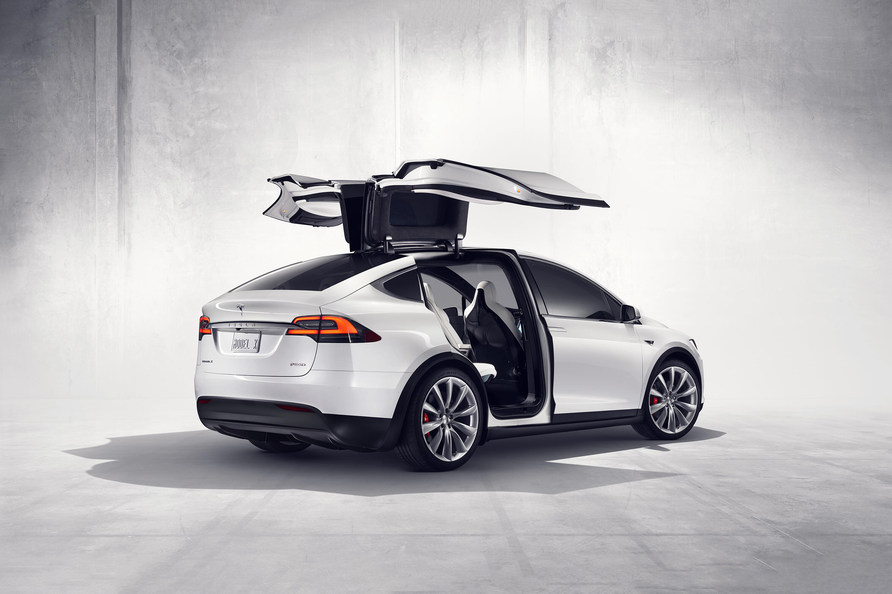 Tesla Model X vulnerable to Bluetooth hack that makes theft a breeze,  report says - Roadshow