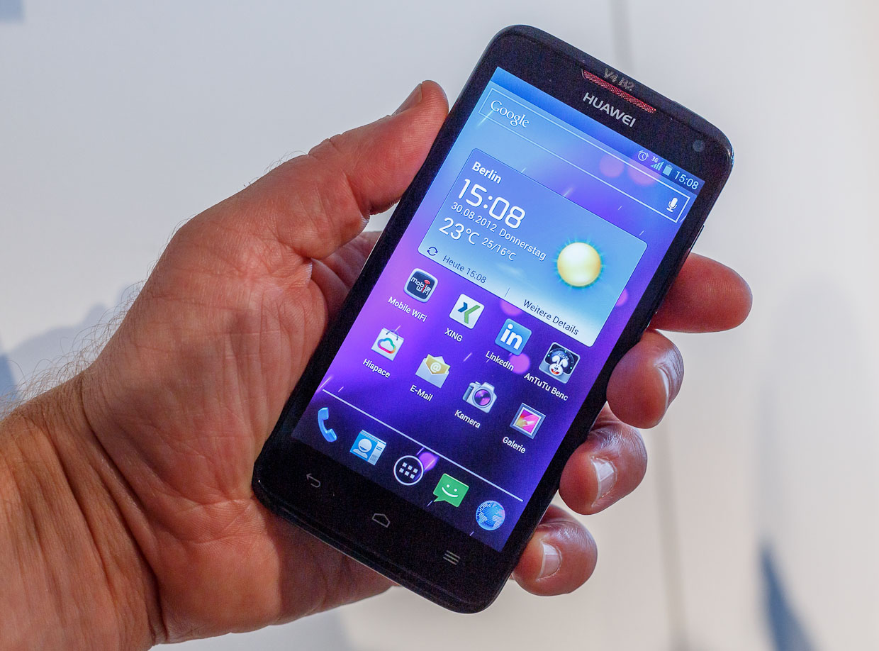 Huawei's Ascend D1 Quad XL has a 330 pixel-per-inch 4.5-inch display. It's also got a 1.2GHz chip, a 2,600mAh battery, a microSD card slot, an 8-megapixel rear camera, and a 1.3-megapixel front camera. It should cost 499 euros (about $624) with no contract.