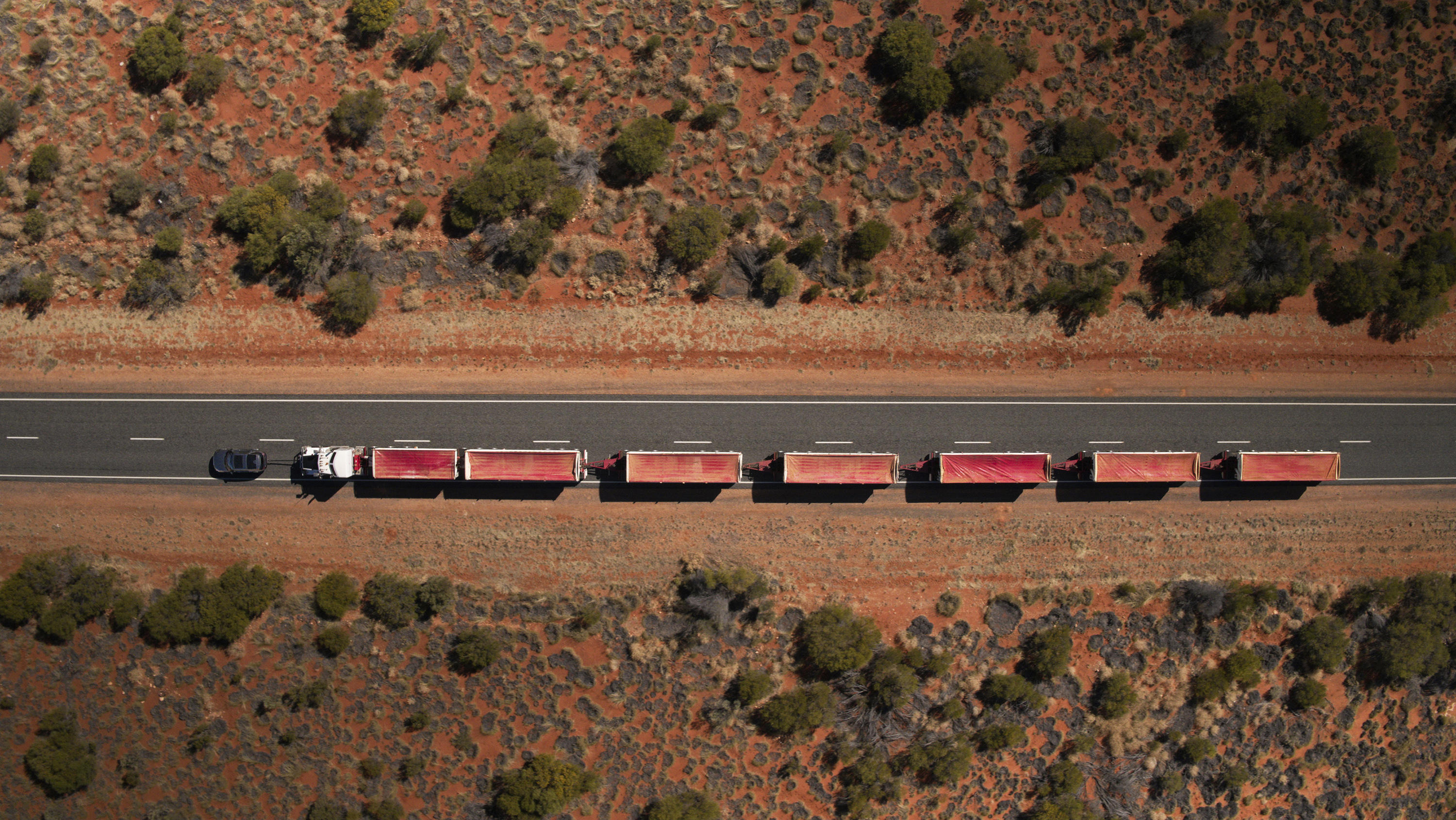 Land Rover Discovery Road Train Tow