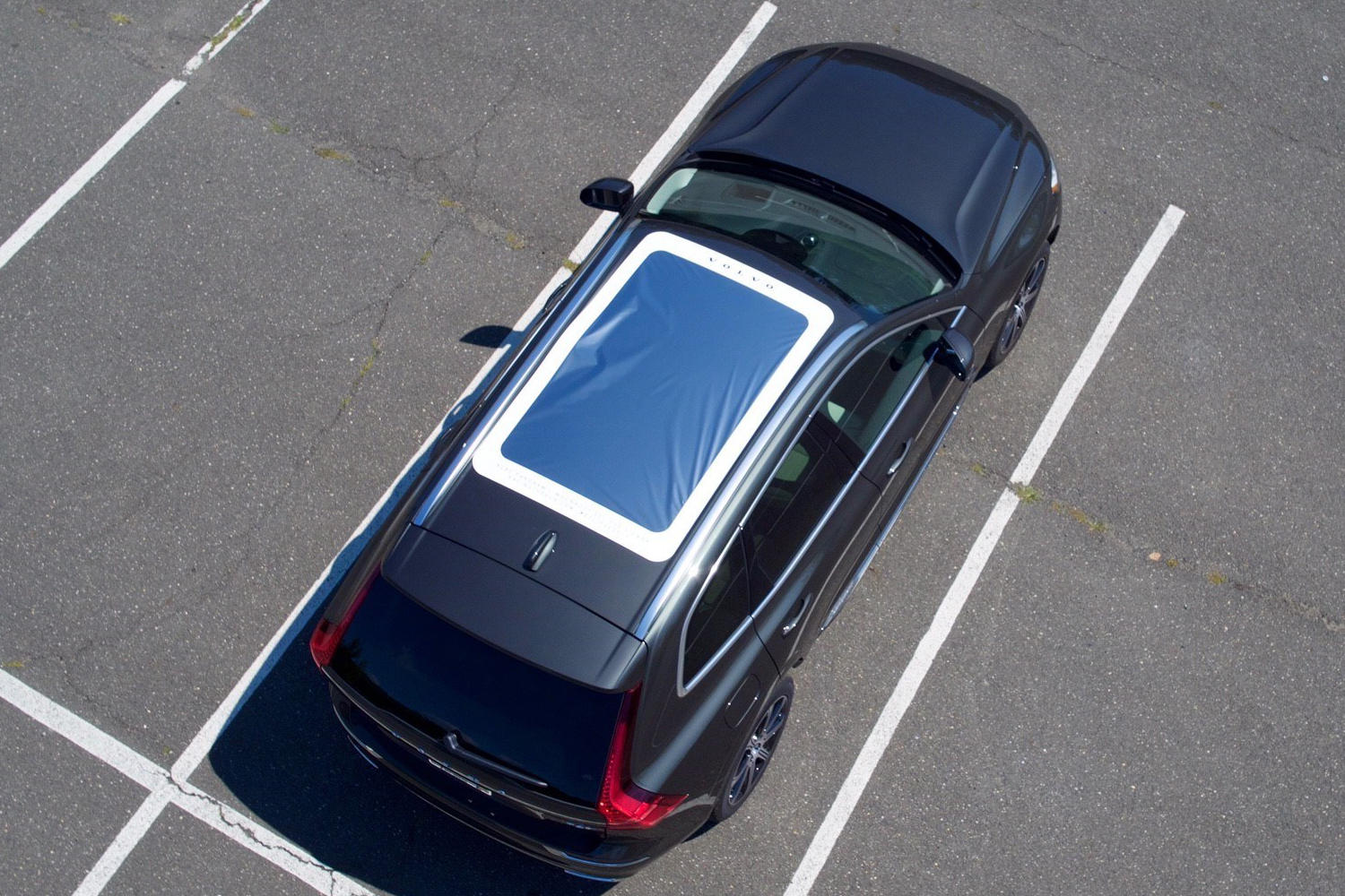 volvo-xc60-moonroof-eclipse-viewer-promo