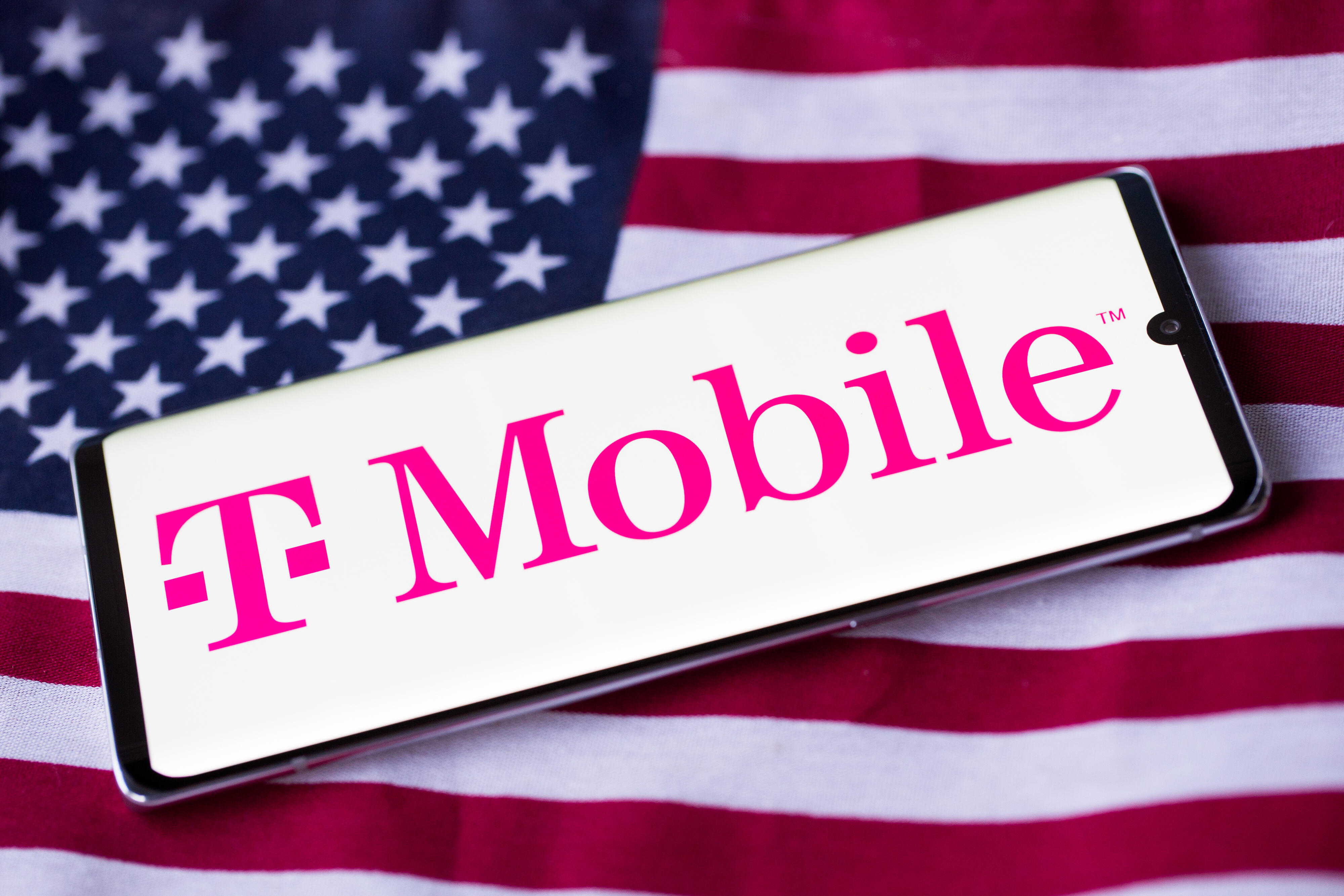 tmobile-logo-phone-american-flag-4219