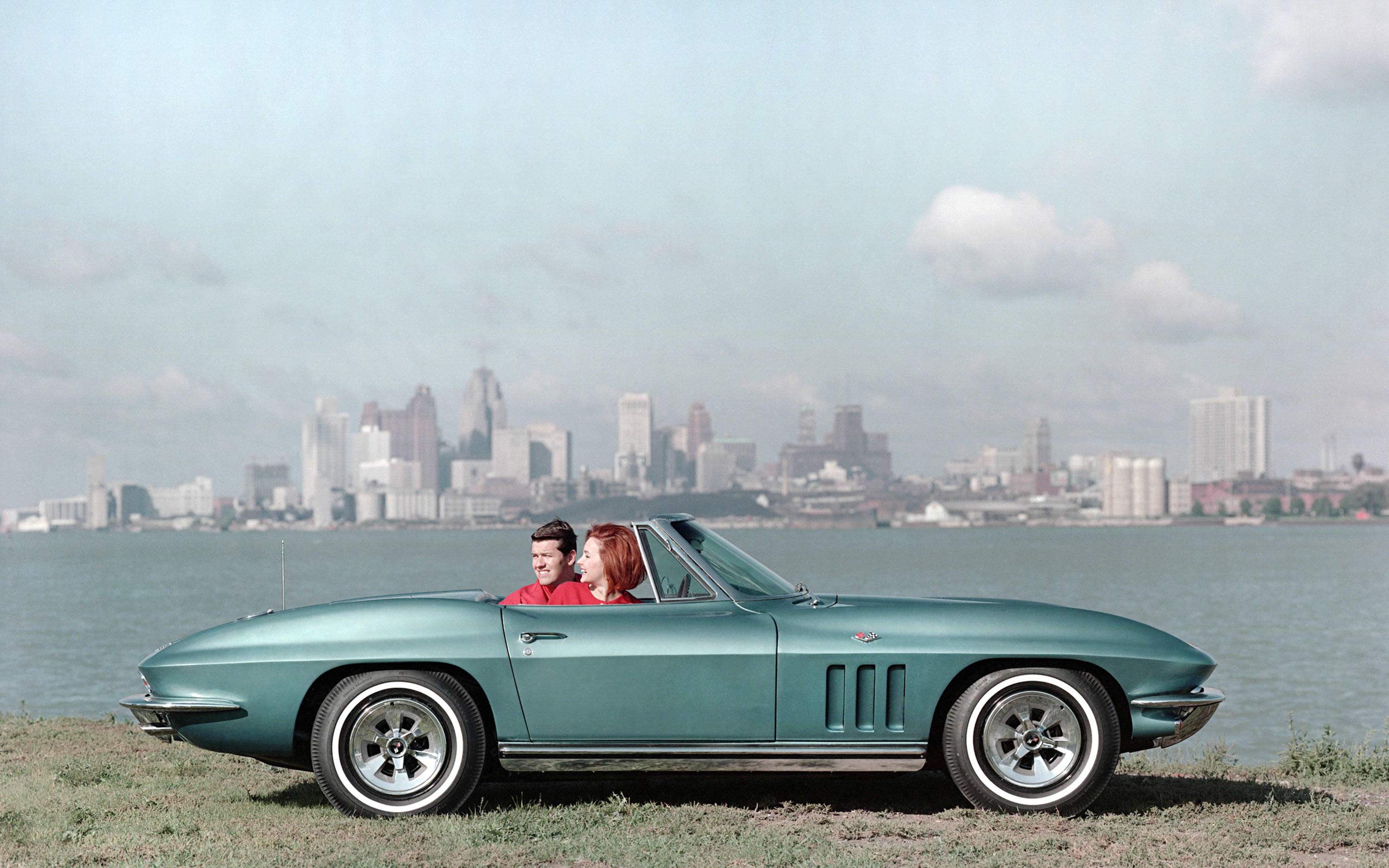 1965-chevrolet-corvette-sting-ray-convertible-1