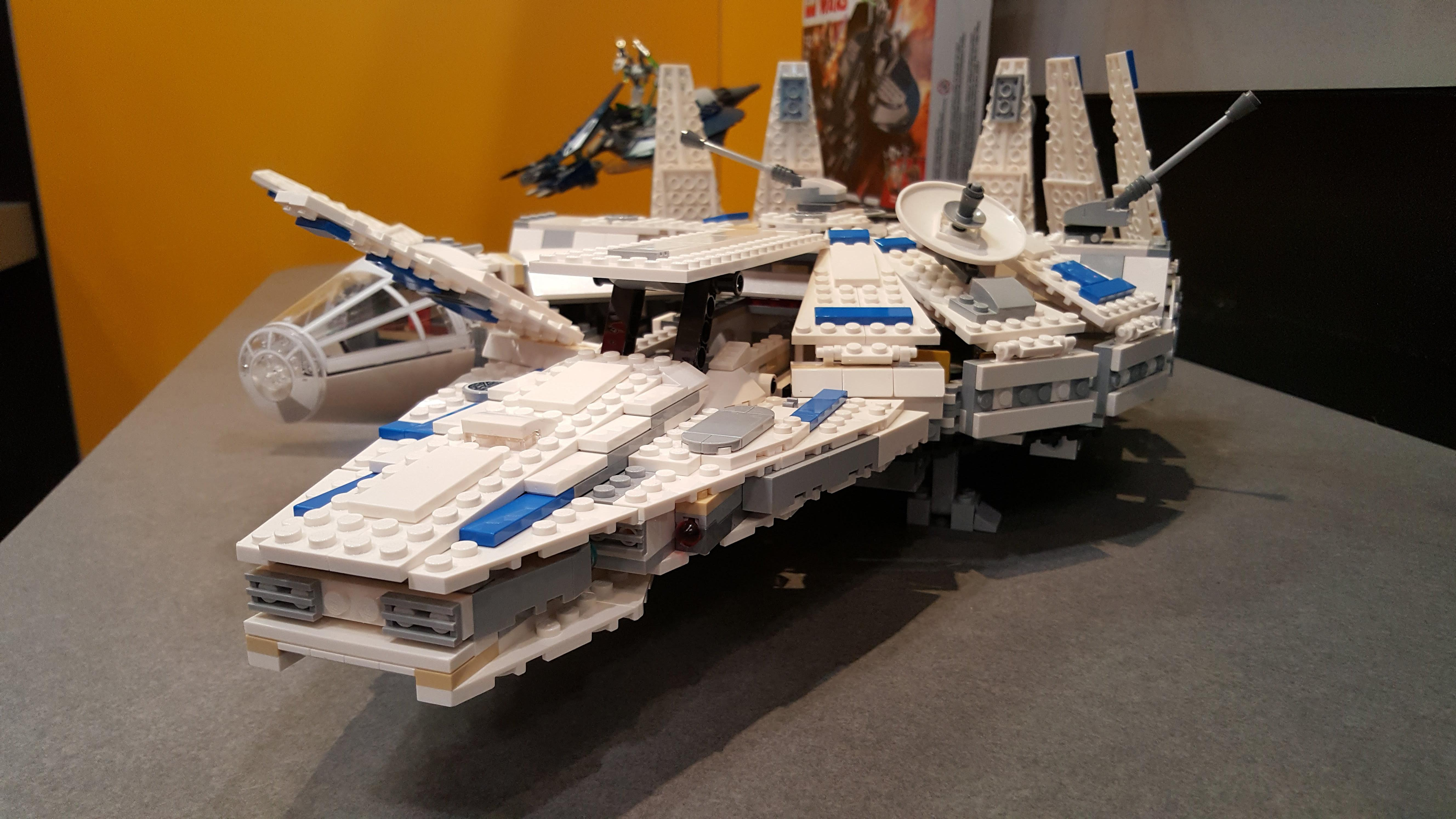 lego-millennium-falcon-kessel-run-solo-star-wars-toy-fair-mike-sorrentino-cnet-4
