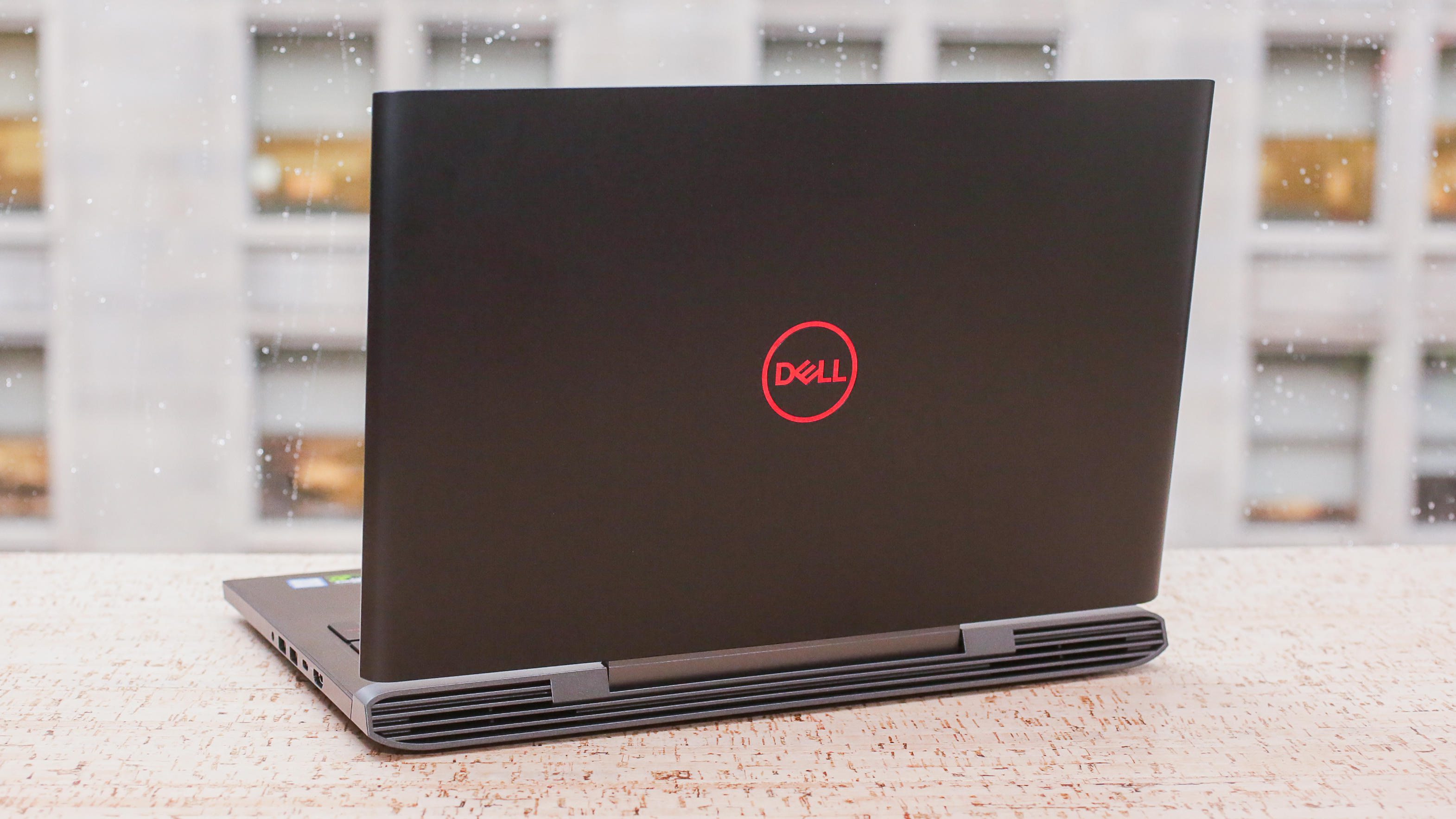 05-dell-g5-15-gaming-laptop