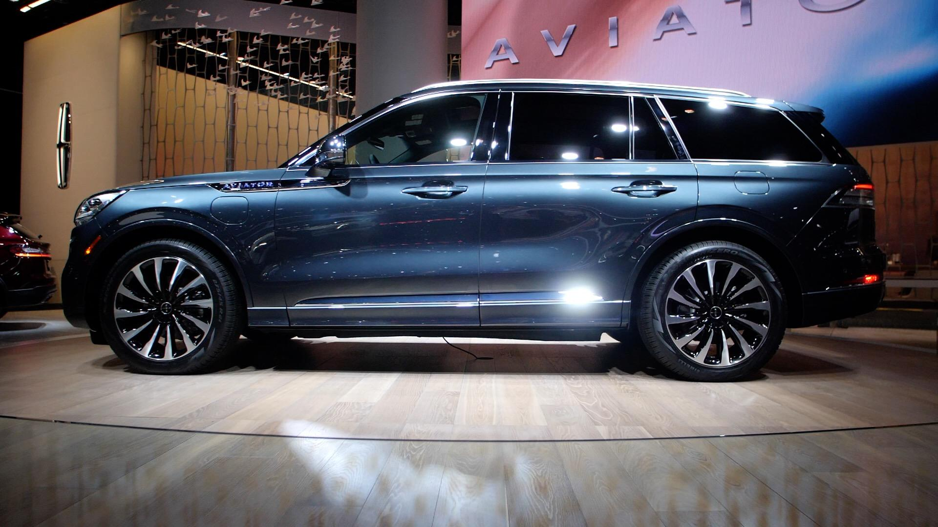 Video: 2020 Lincoln Aviator takes off at LA Auto Show