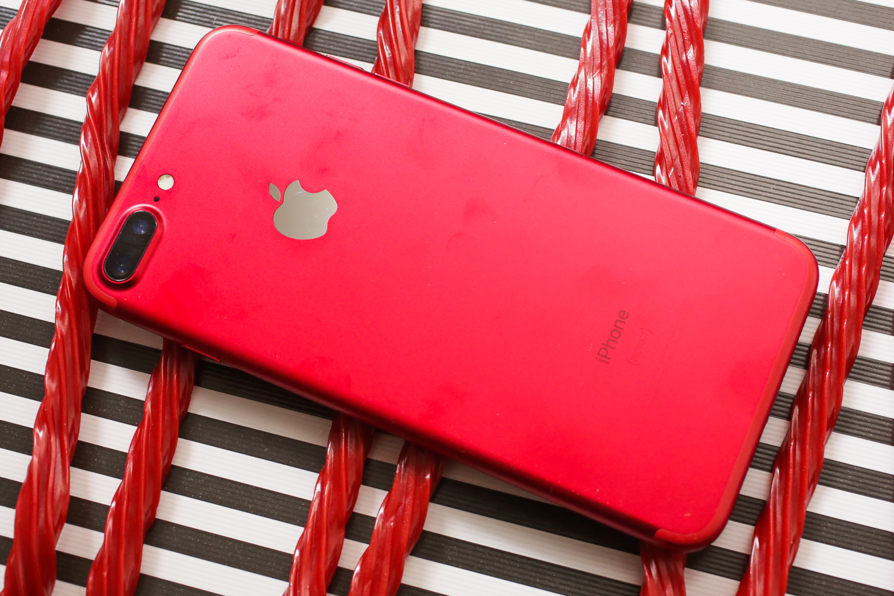 red-iphone-23.jpg