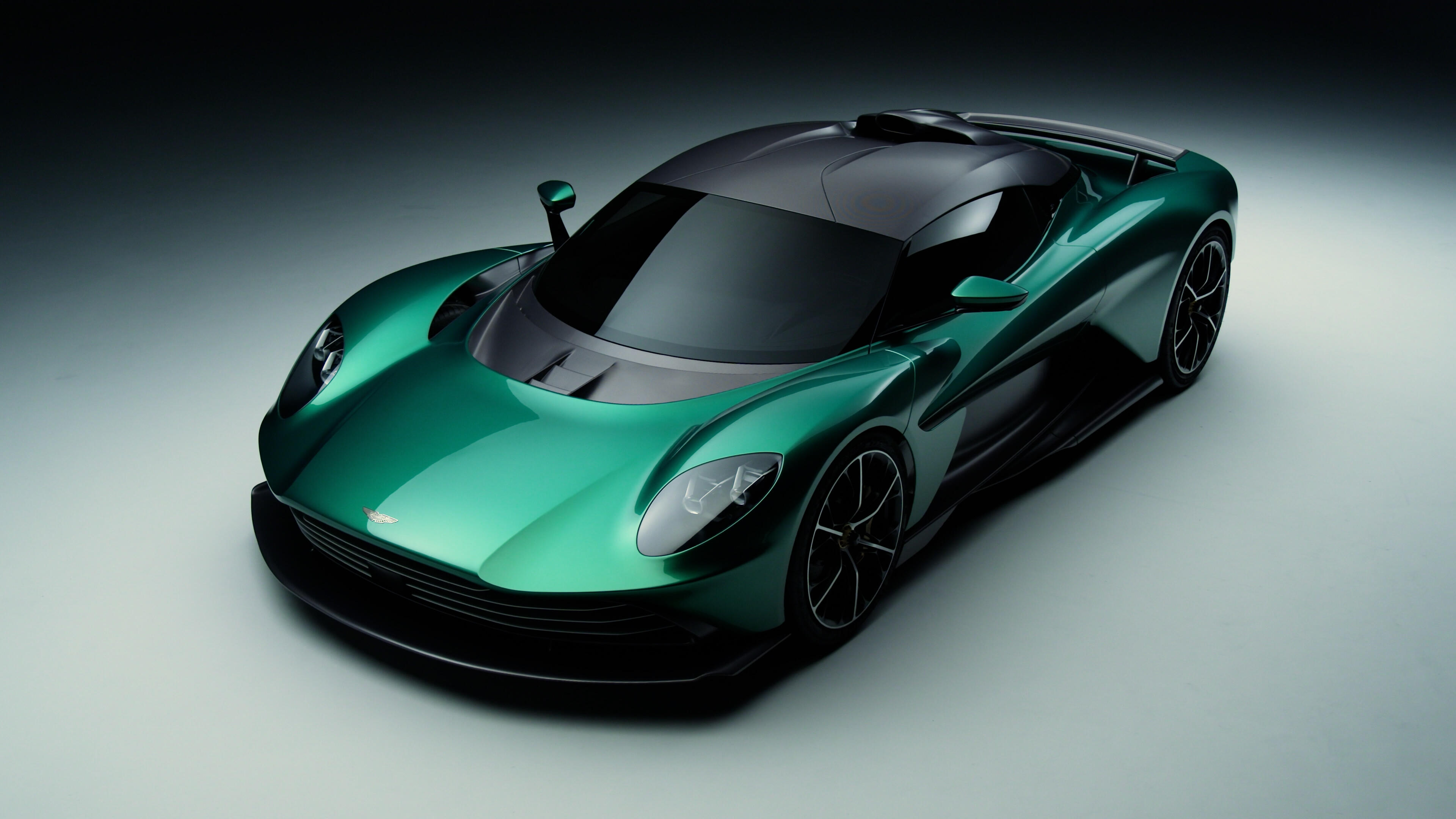 Video: The Aston Martin Valhalla promises to give the competition a run for its money