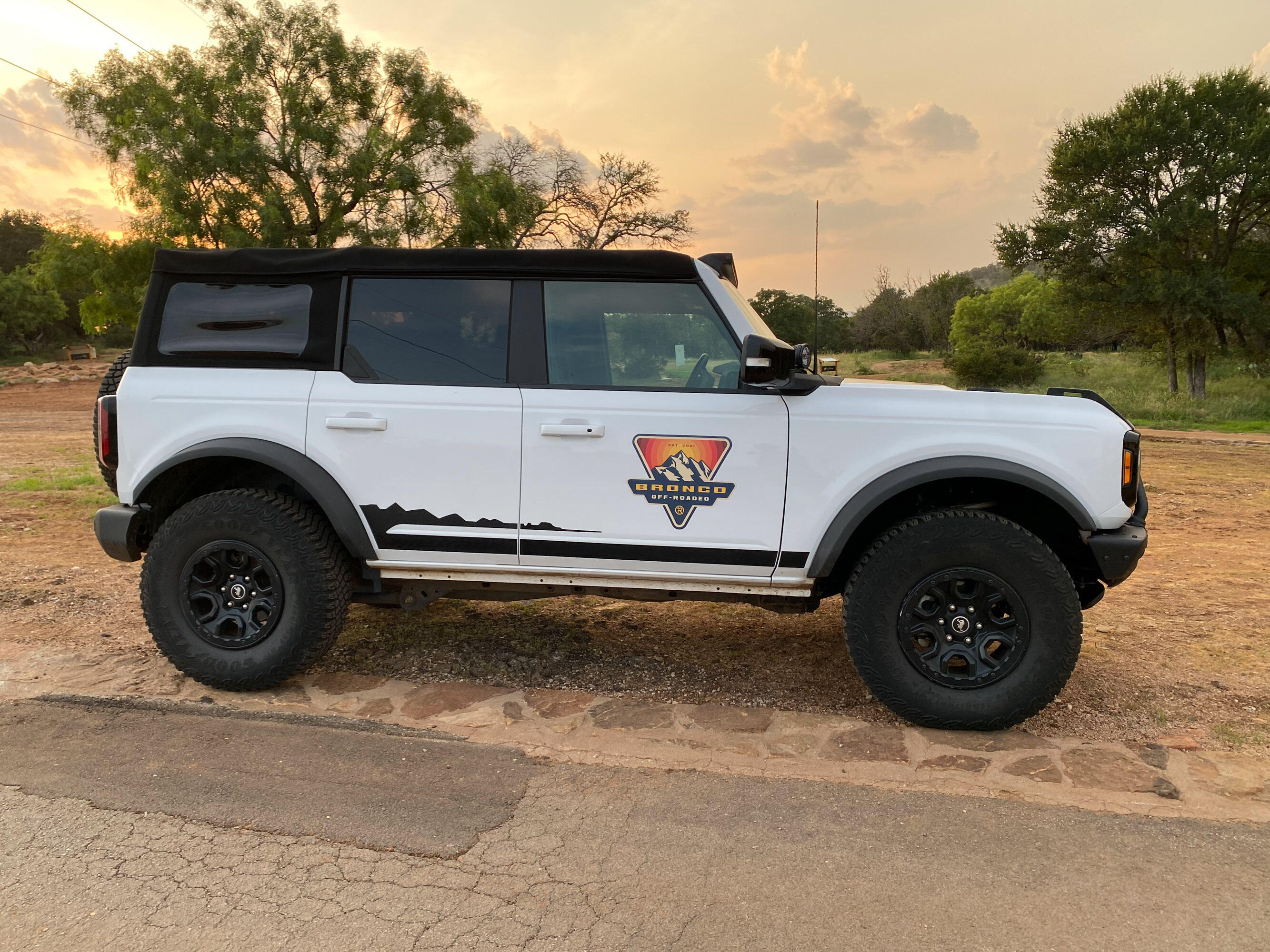 2021 Ford Bronco - white four-door soft top