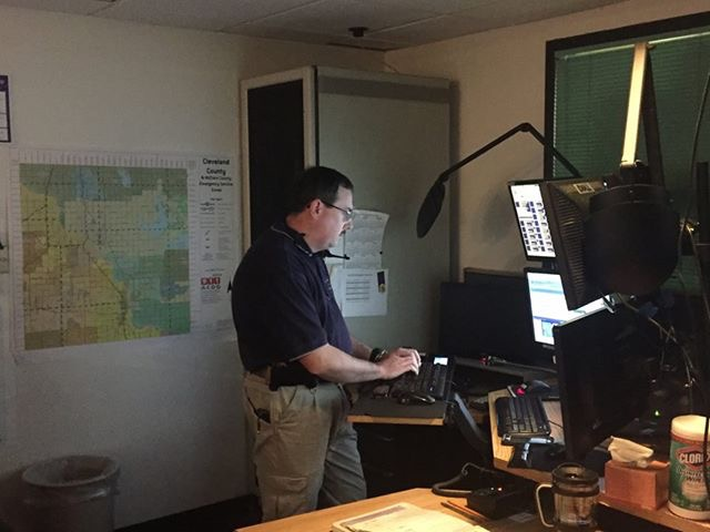 David Grissam's Made for iPhone hearing aids have made it possible to continue in his job as a 911 dispatcher.