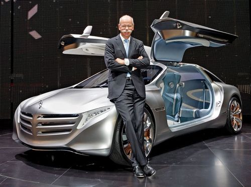 Dr. Dieter Zetsche with the F125 research vehicle in 2011.