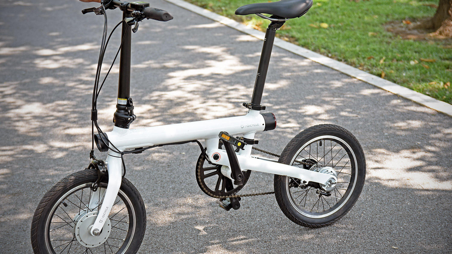 Video: Xiaomi's not just about phones: It now has an electric bike, the Mi QiCycle