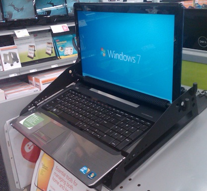 Dell 17-inch laptop with Intel Core i5 on sale for $649 at a Staples in Southern California.