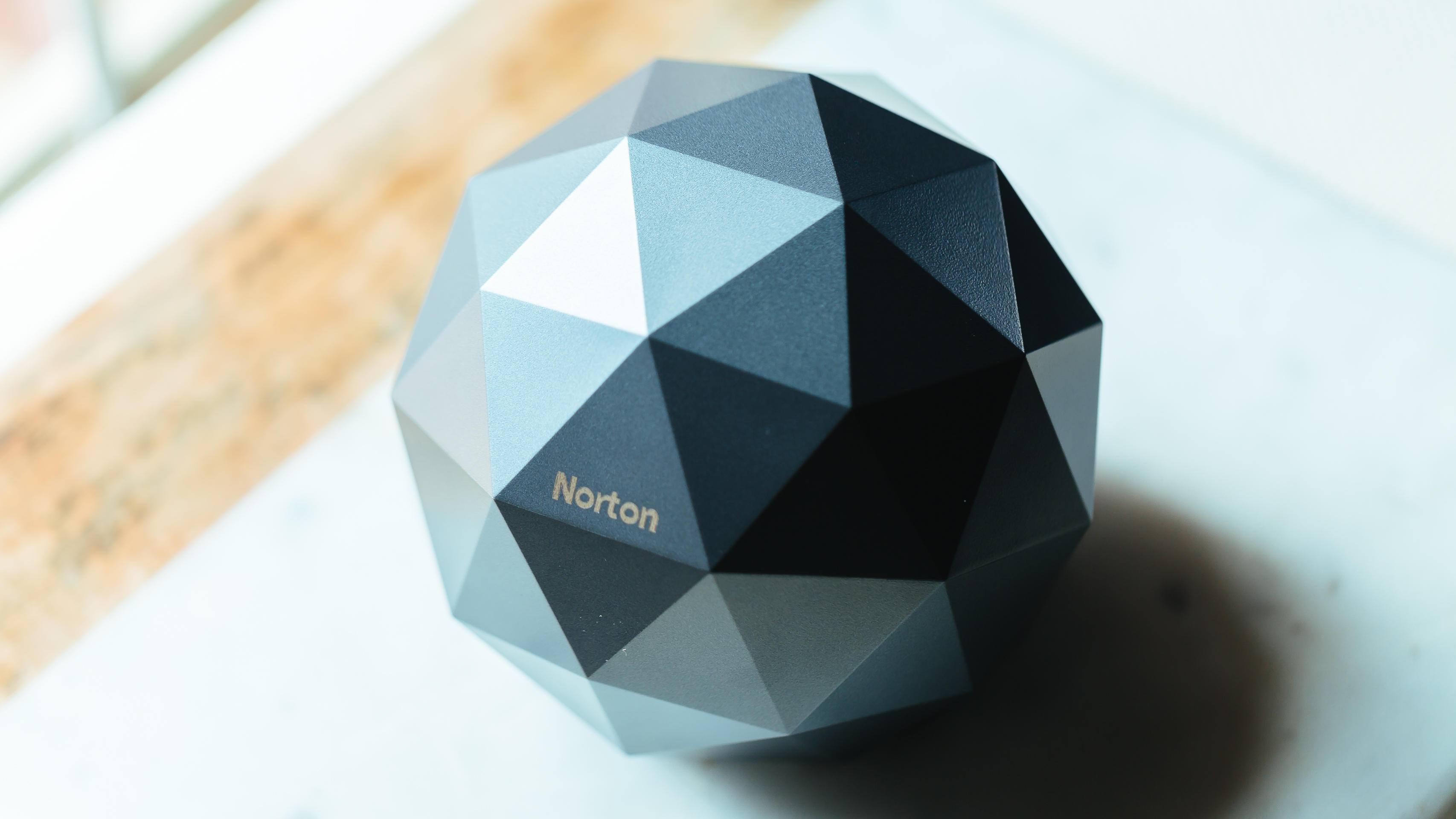 norton-core-router-product-photos-2