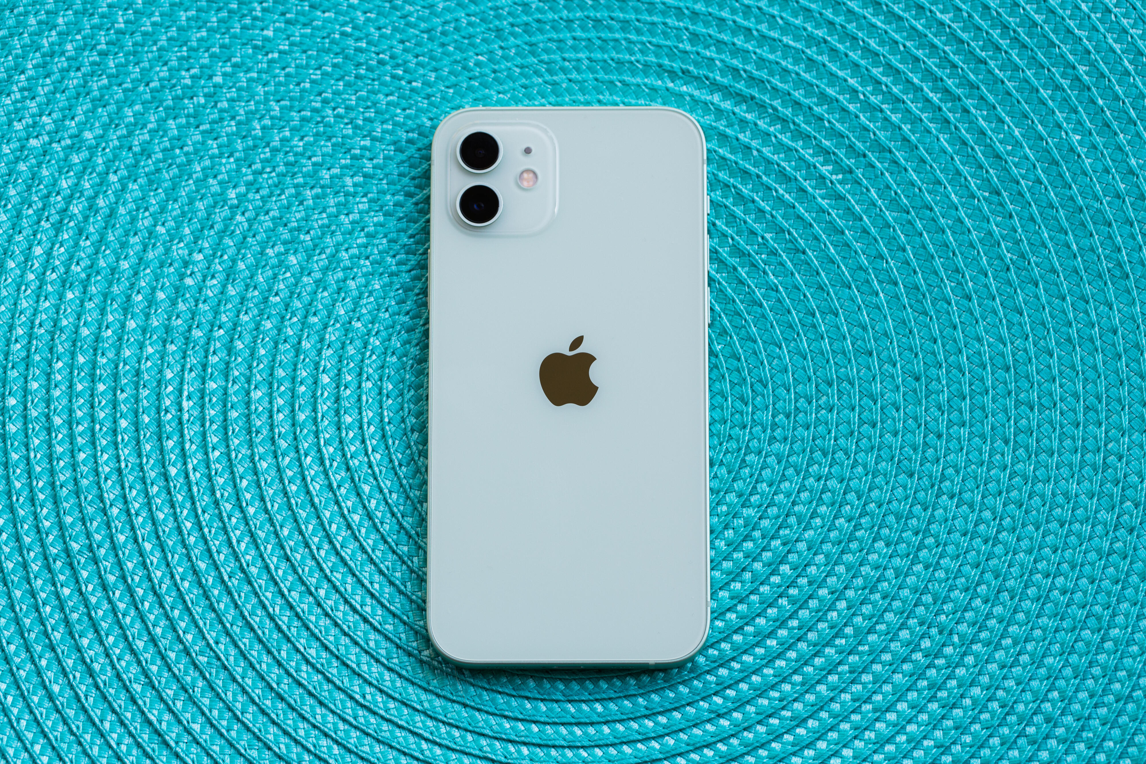 iphone-12-pro-2020.png