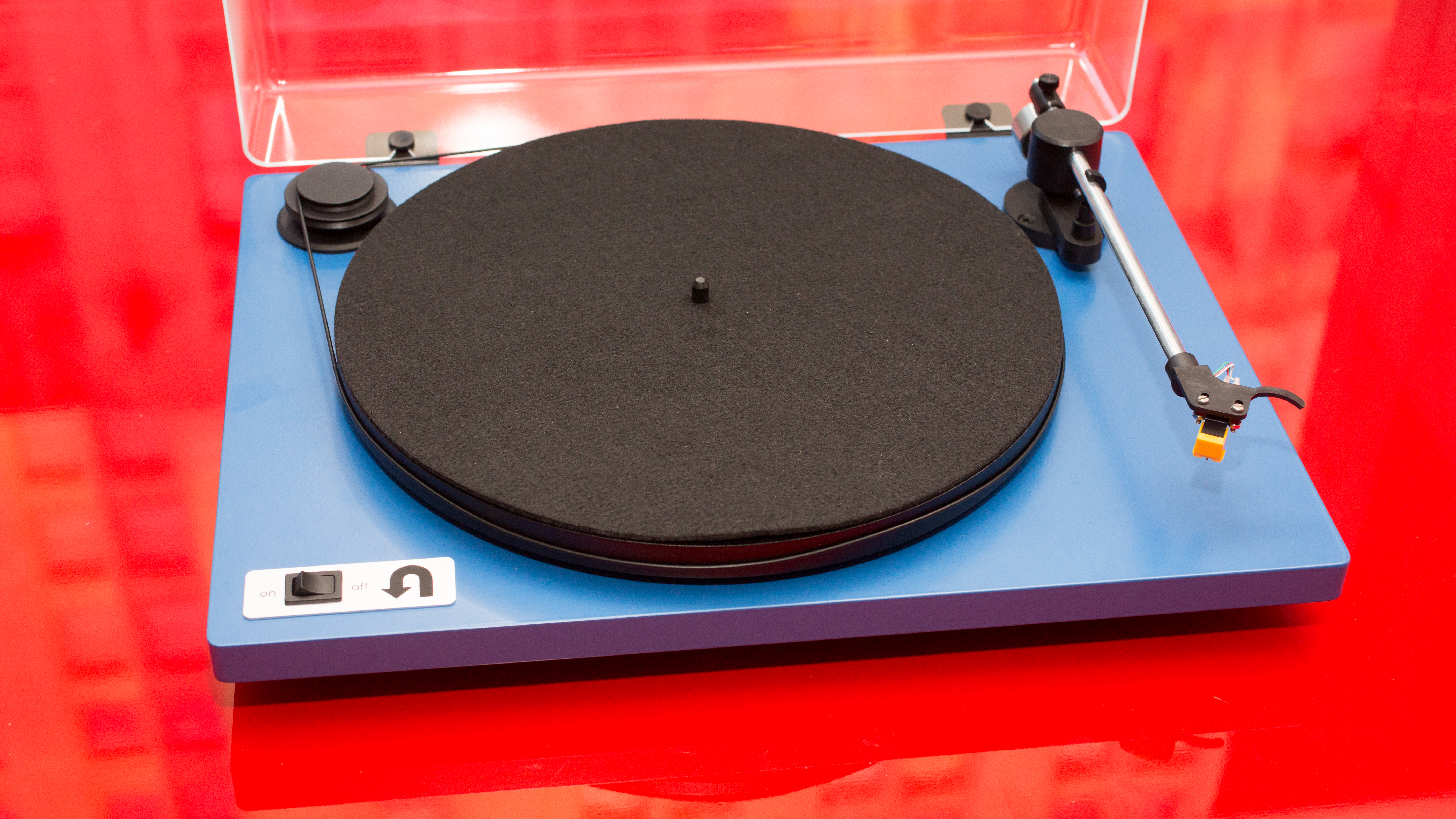 Video: U-Turn's Orbit Basic is a bespoke turntable for the analog purist