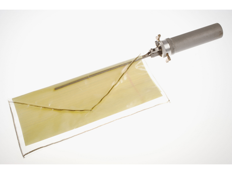 Letter removal device