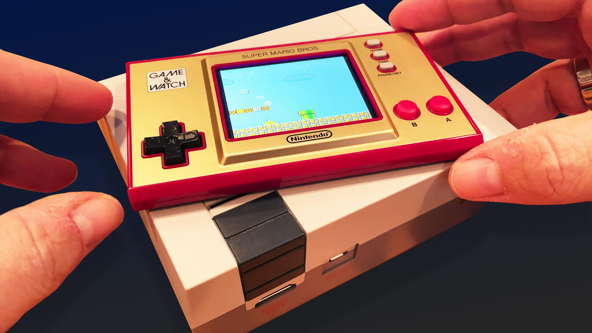 Video: Game & Watch Super Mario Bros. is two Nintendo '80s hits rolled into one