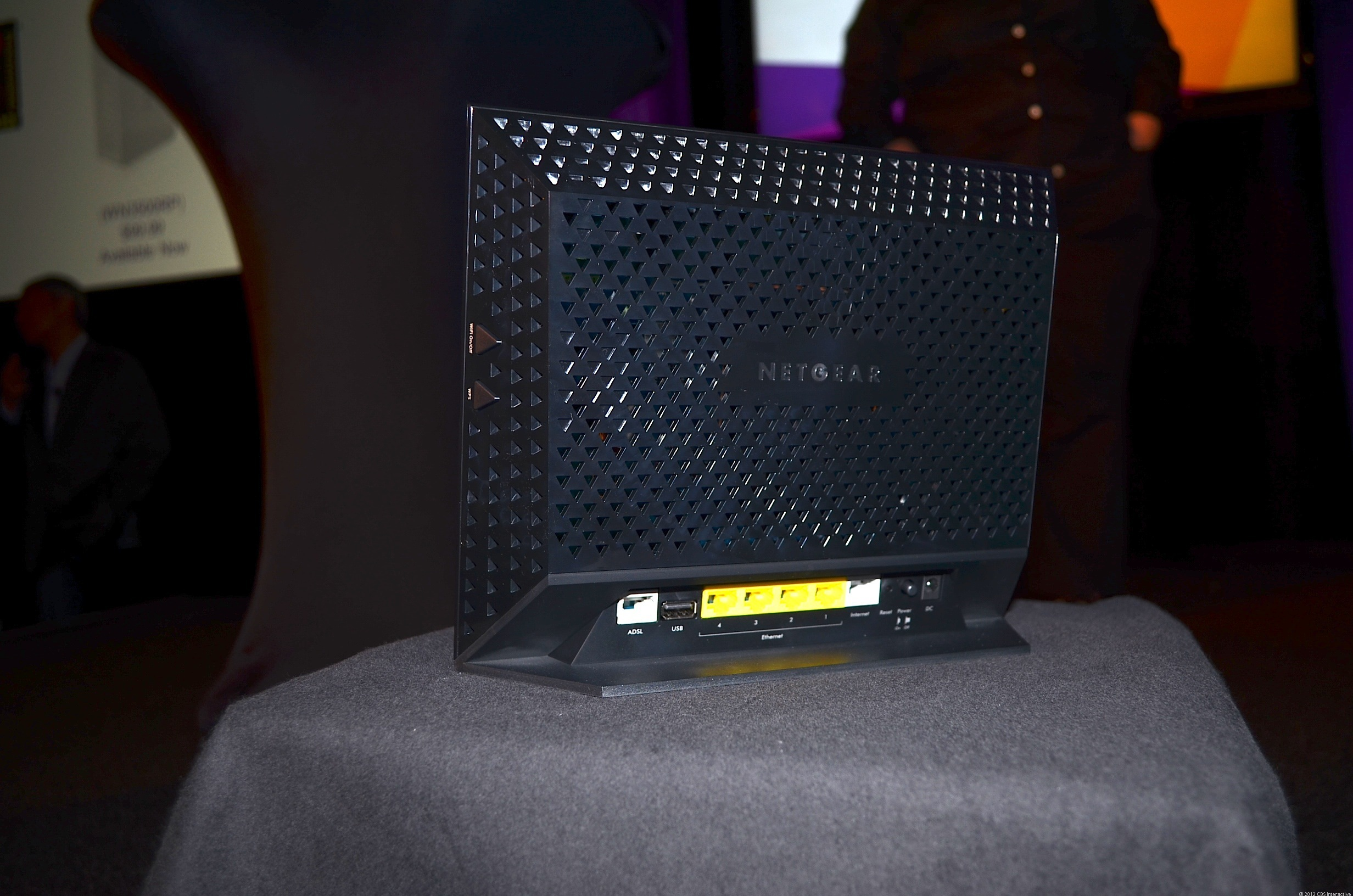 The D6200 802.11ac router/ADSL modem combo looks exactly like the R6200 or R6300 router, with the addition of an ADSL port.