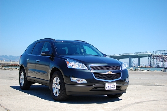 We were recently handed the keys to a 2011 Chevrolet Traverse rental vehicle. With only 6,000 miles on the odometer, the Traverse had thus far avoided any obvious rental car abuses. However, like all fleet vehicles, cabin tech was sparse.