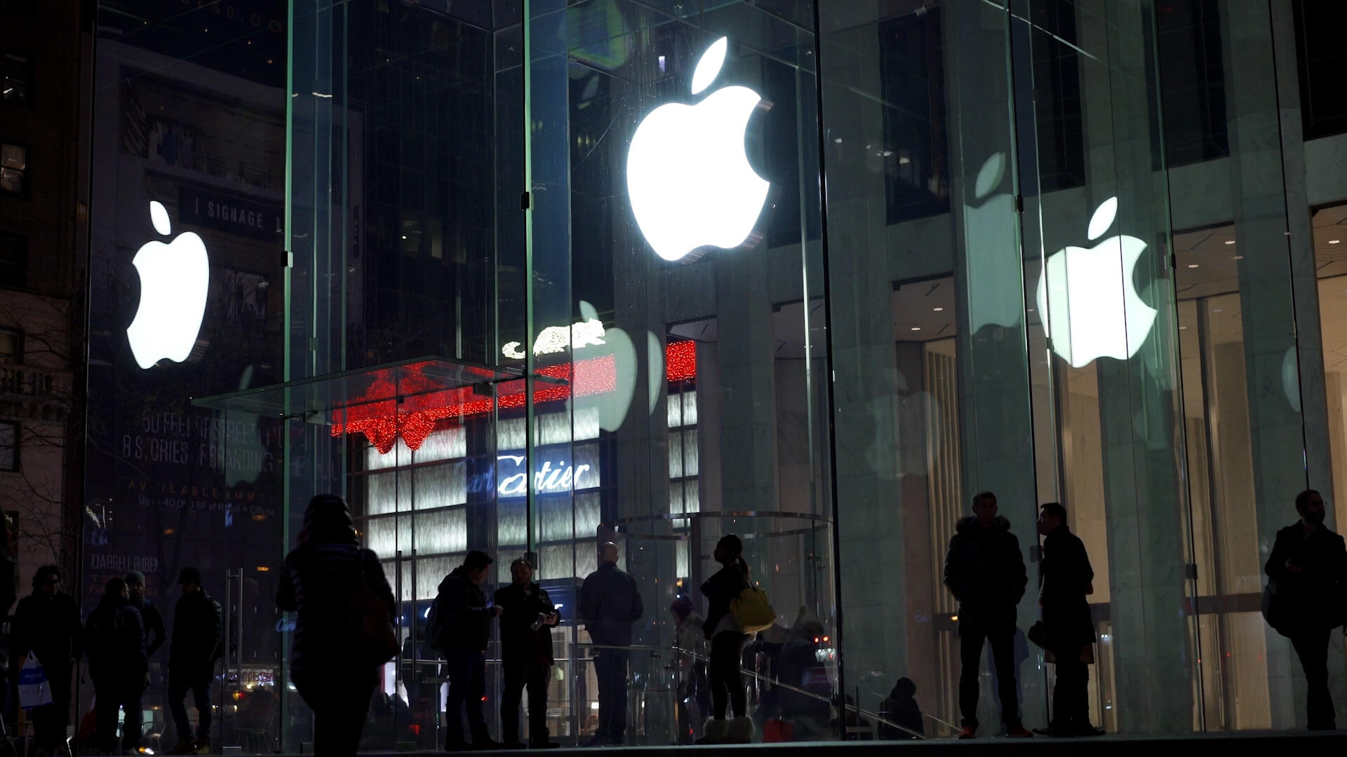 Video: Apple CEO Tim Cook testifies in court, Google to open a brick-and-mortar store