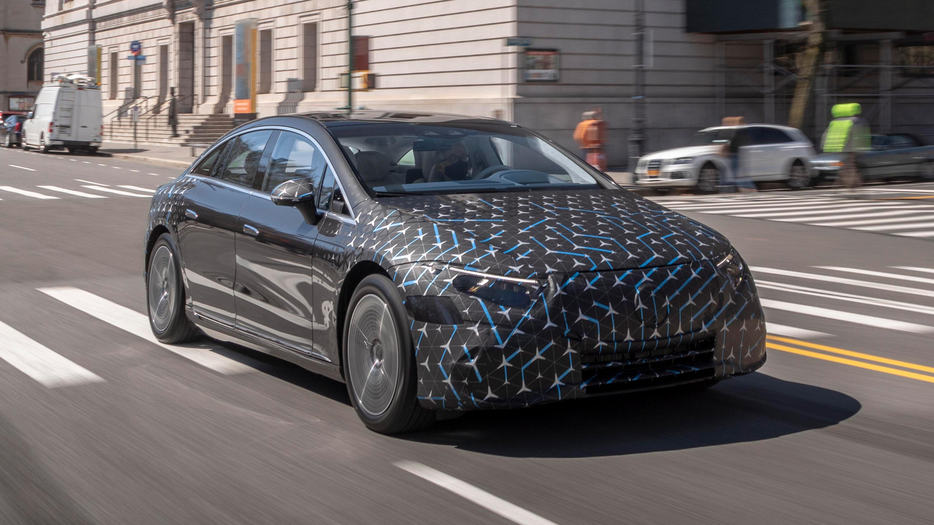 Video: 2022 Mercedes-Benz EQS: Welcoming big luxury to the EV world