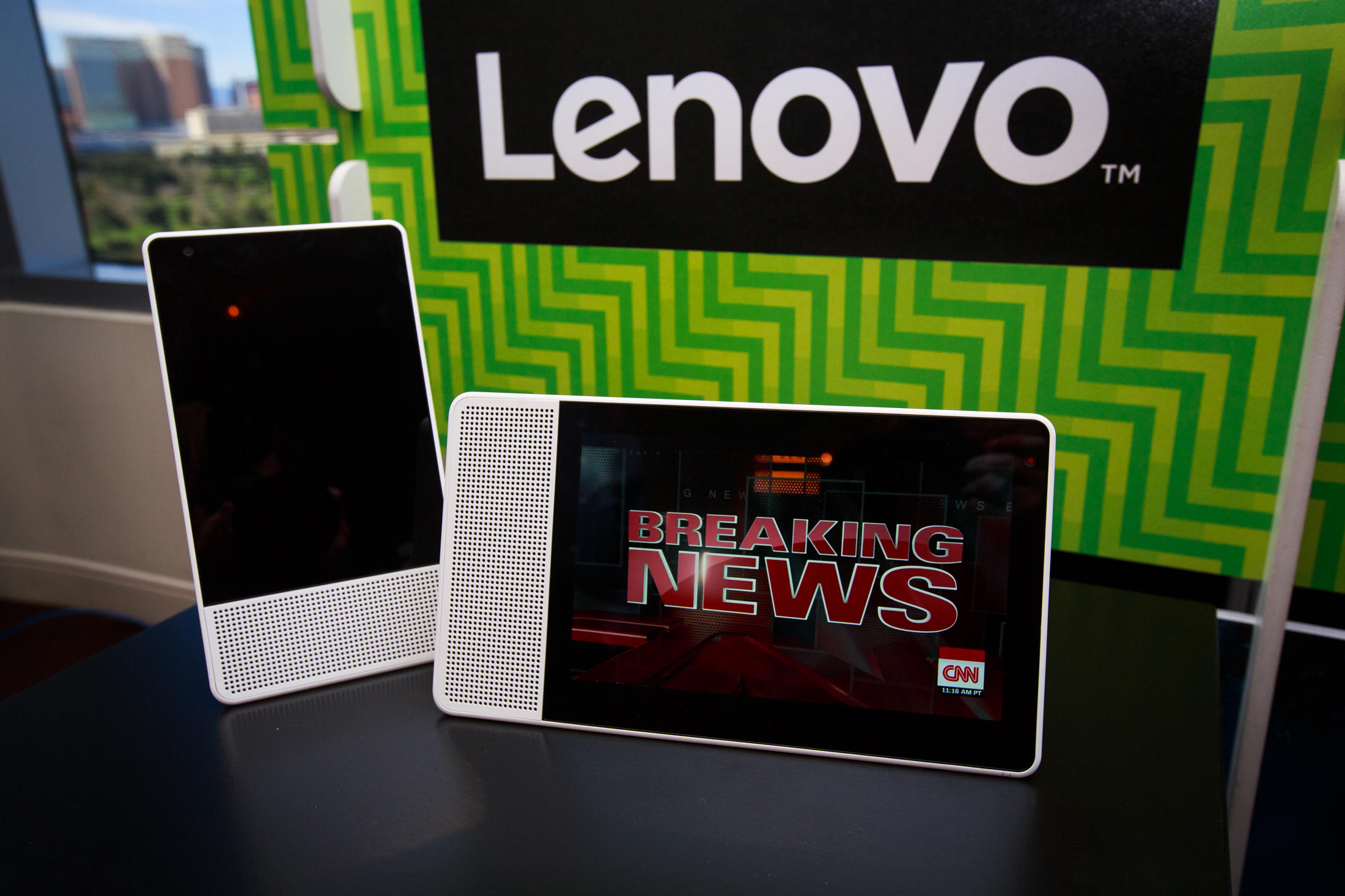lenovo-smart-display-with-google-assistant-3292-013