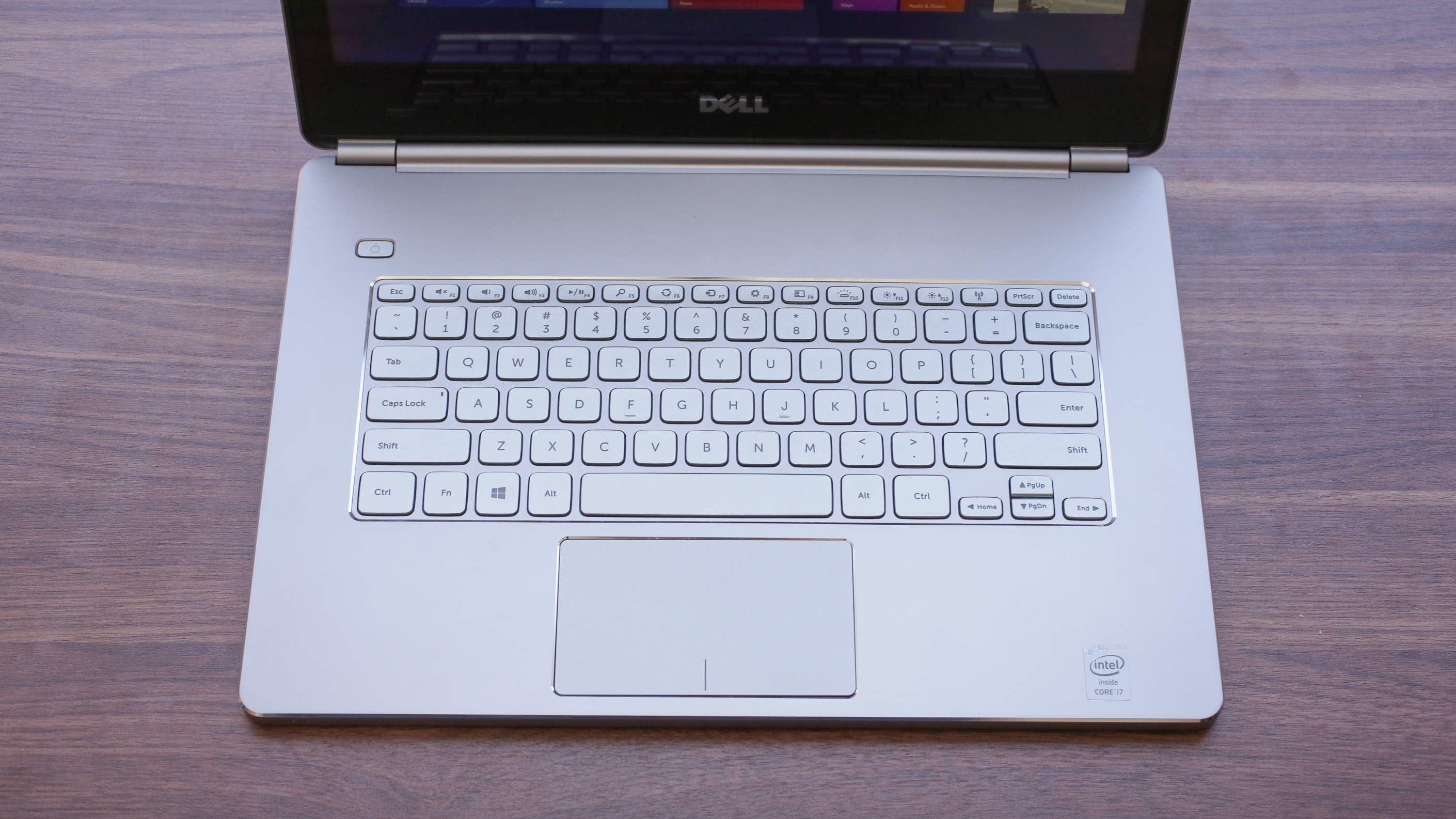dell-inspiron-14-7000-series-product-photos06.jpg