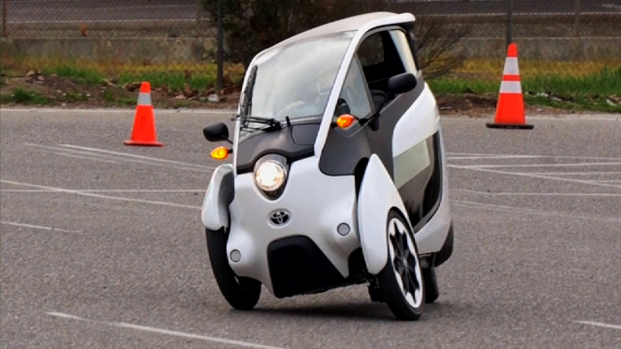 Video: Toyota i-Road is a real head-turner